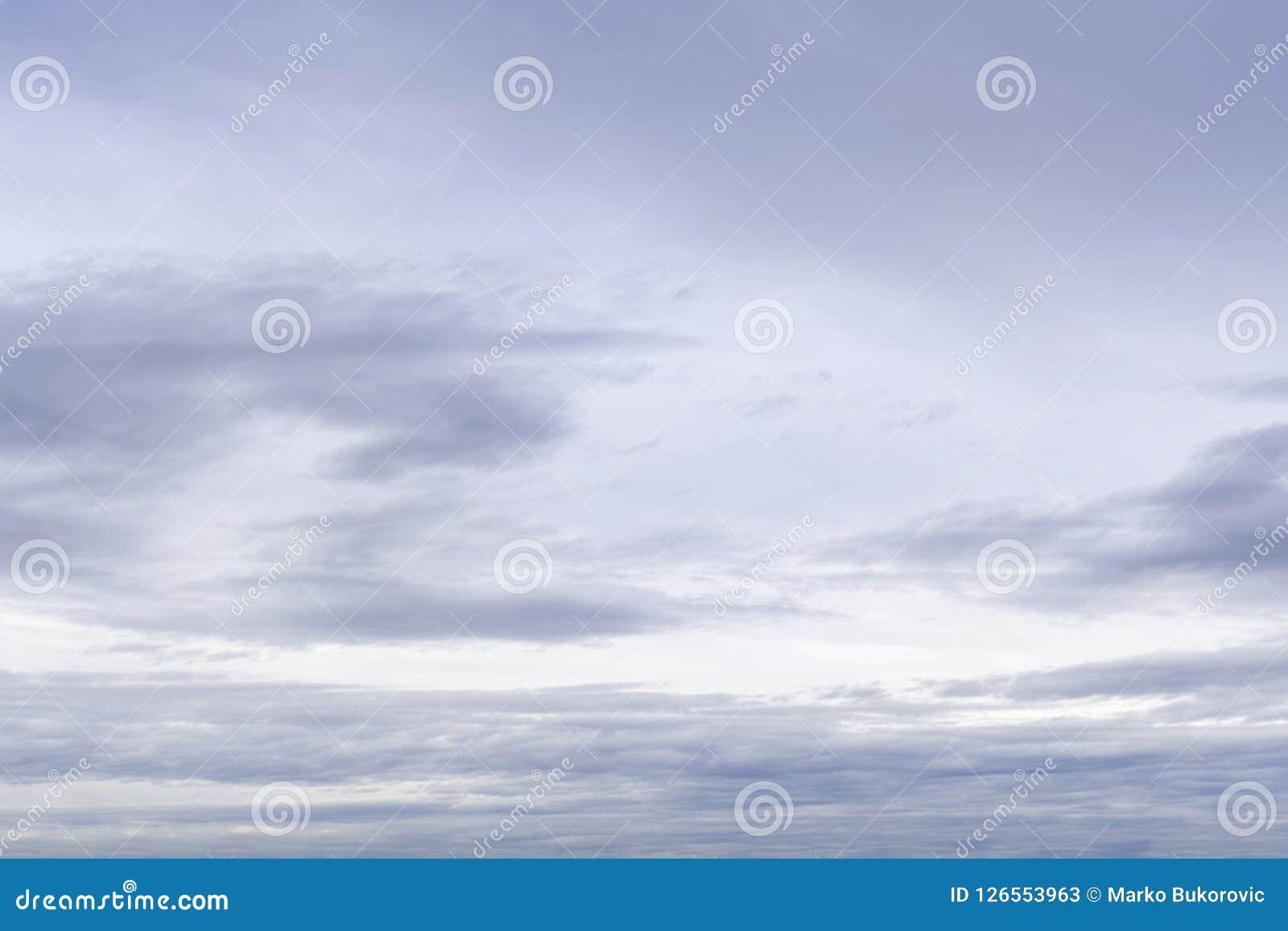 Dramatyczny fiołkowy abstrakcjonistyczny naturalny burzowy stratosfery tło