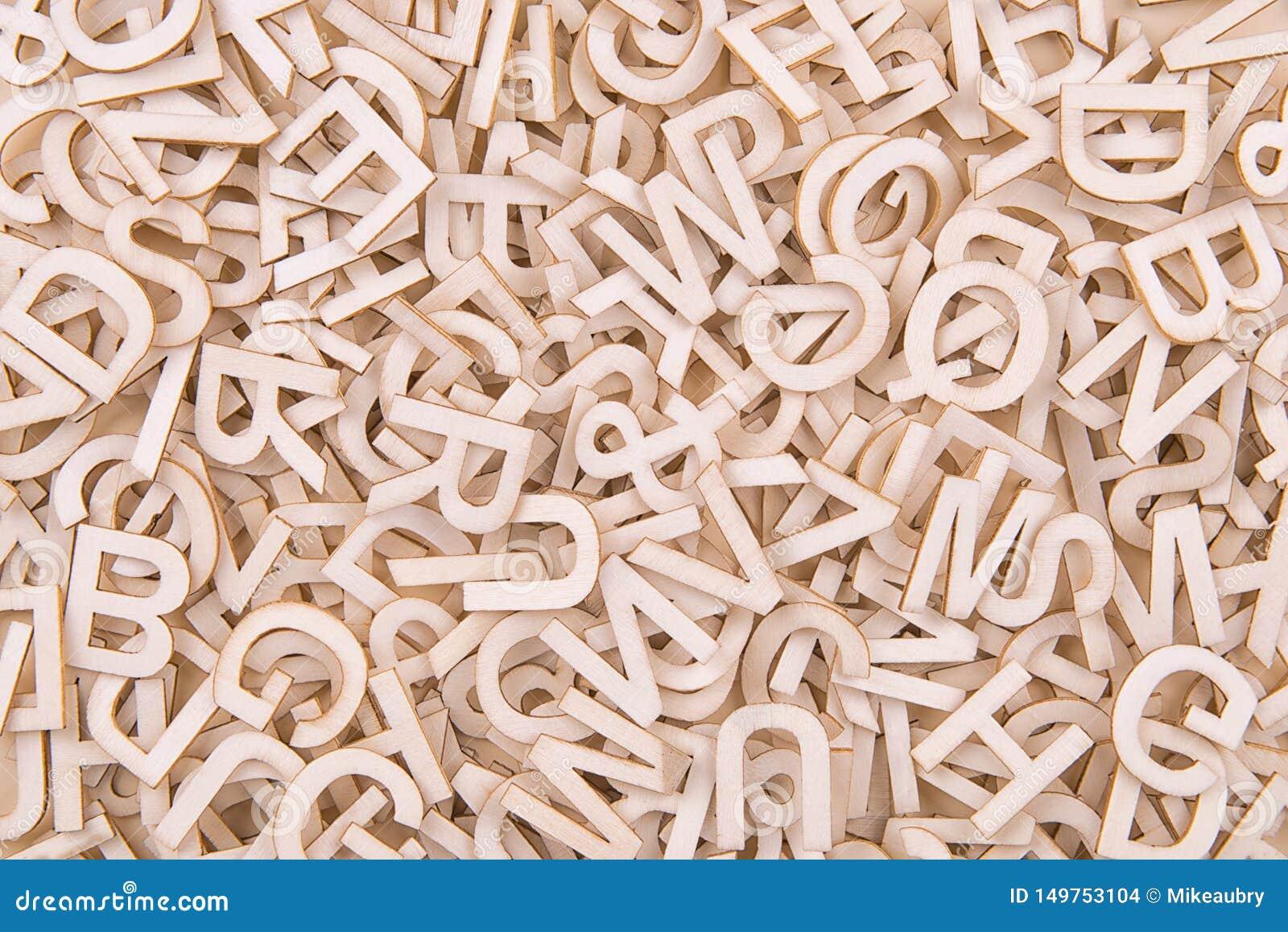 Draufsicht über Hintergrundbeschaffenheit von hölzernen Buchstaben
