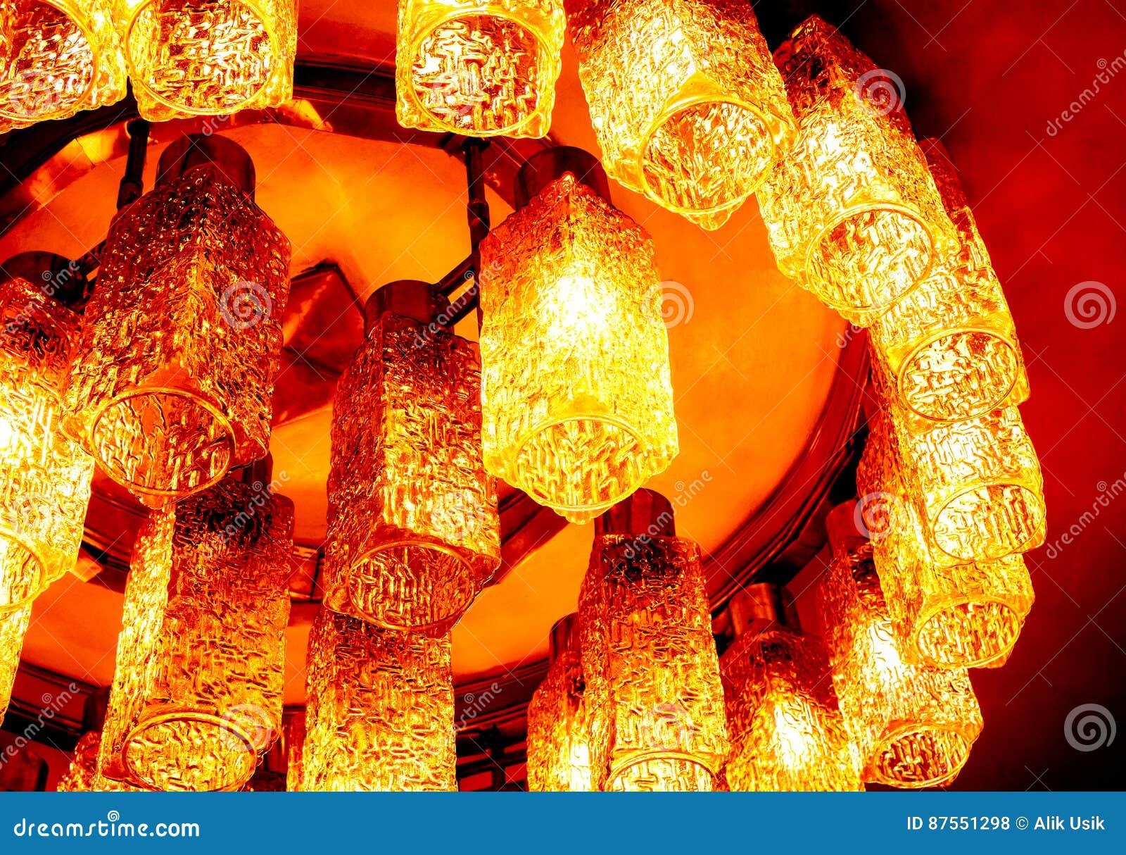 Draufsicht zum teil runden dekorativen modernen geformten lampen auf