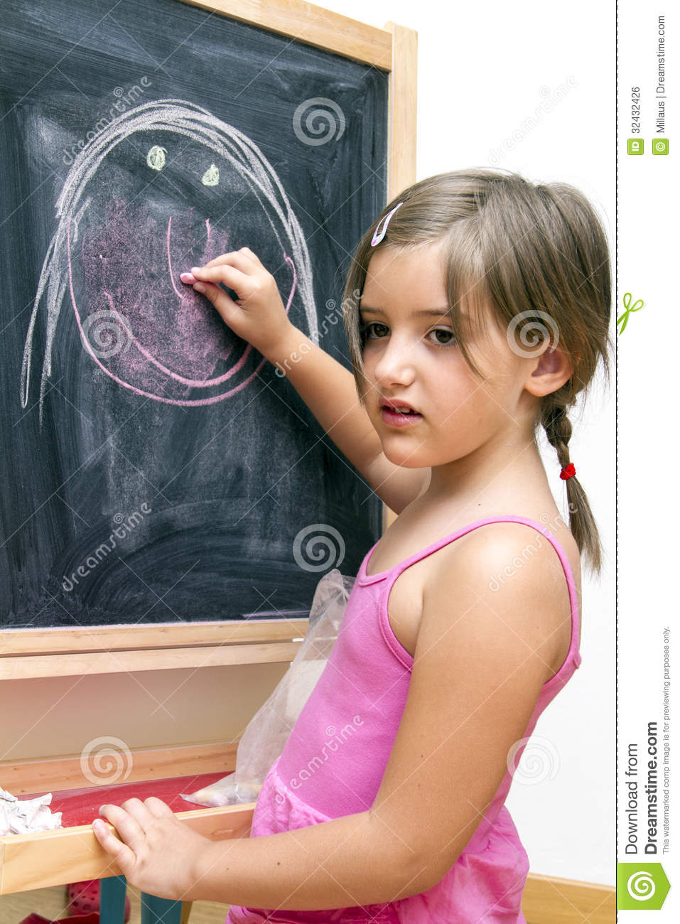 how to draw neatly on a blackboard