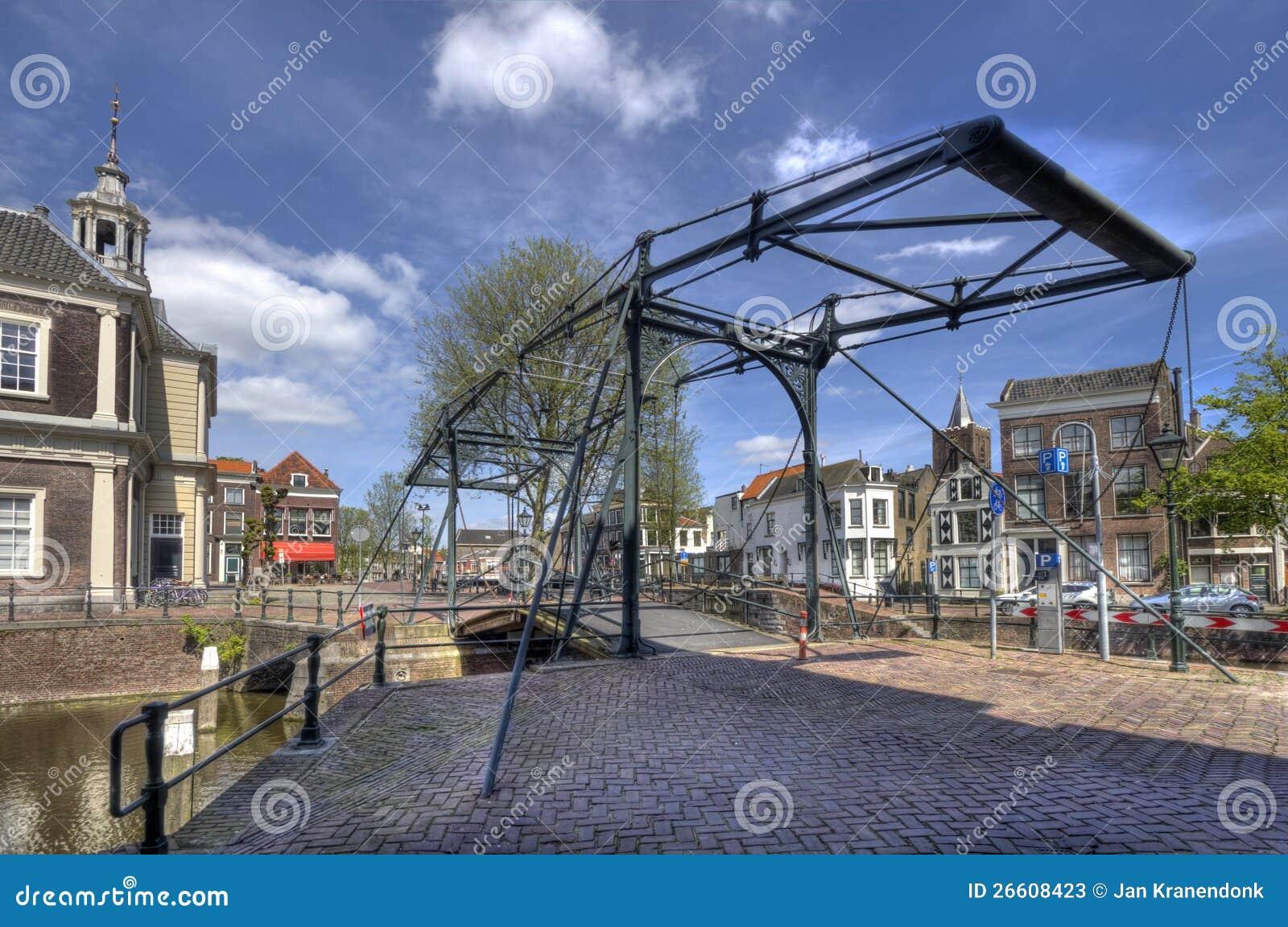 Em Holland