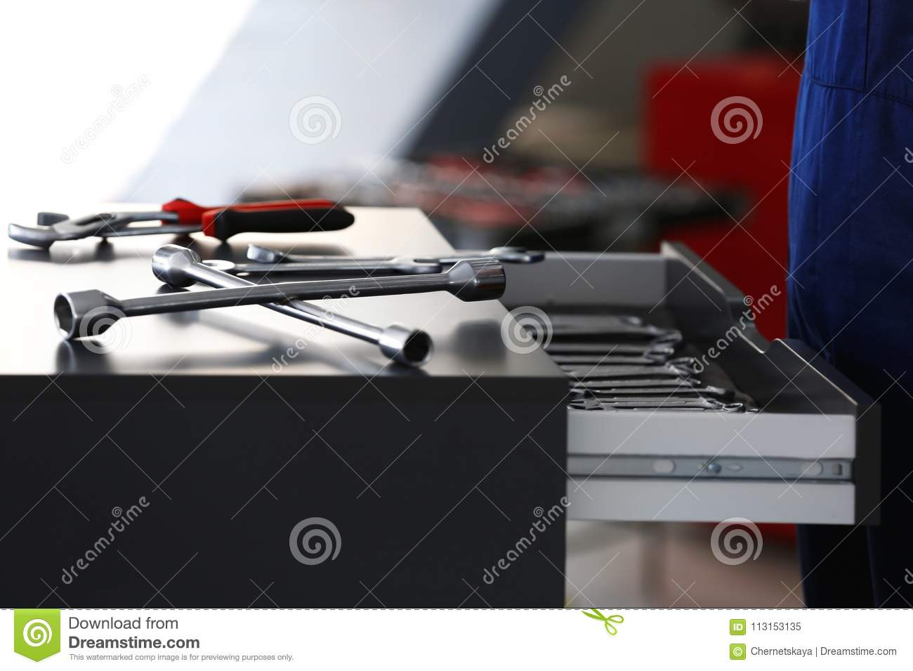 Drawer unit with tools in car