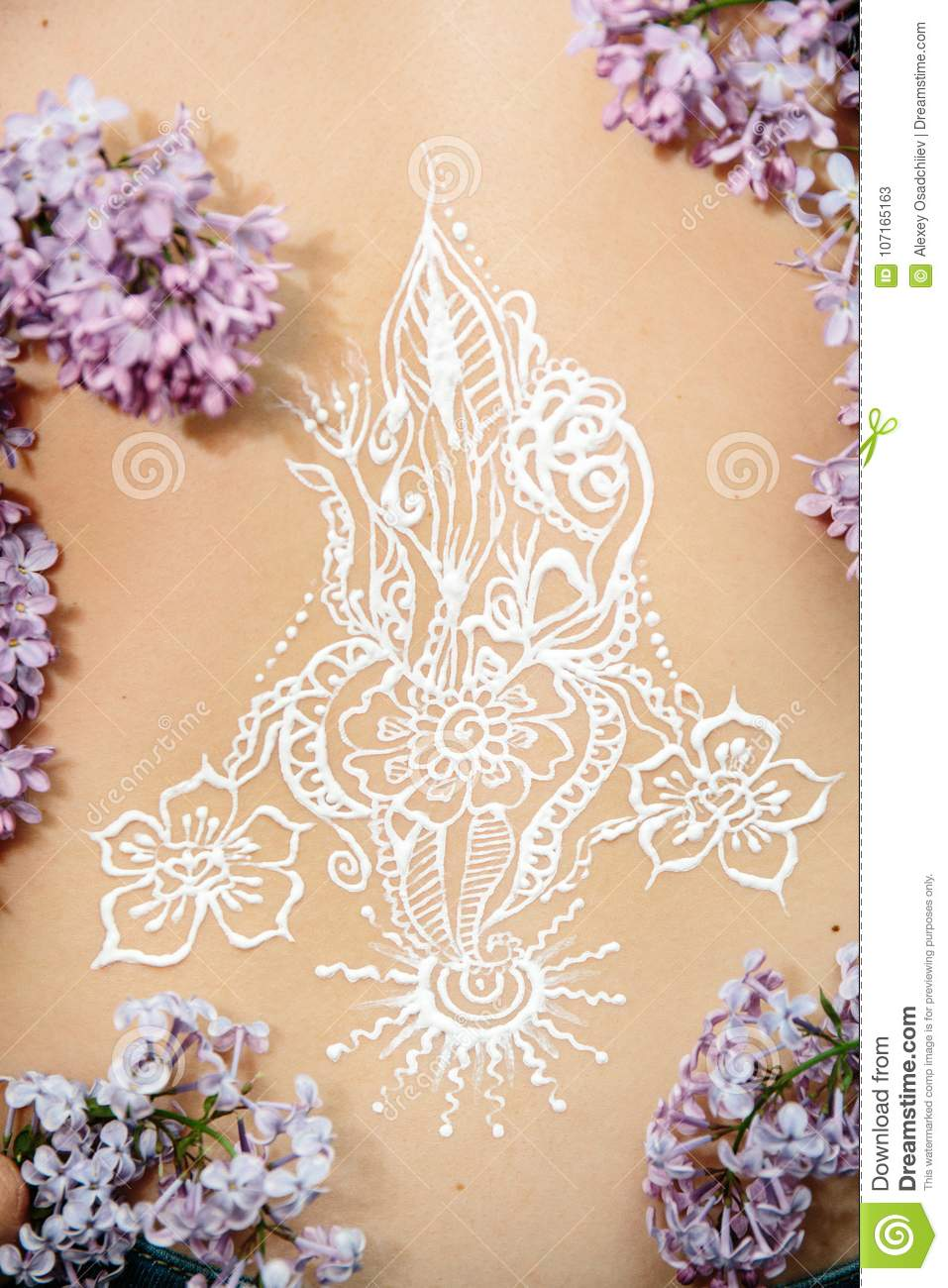 Mehendi Picture On Back Stock Image Image Of Artistic 107165163
