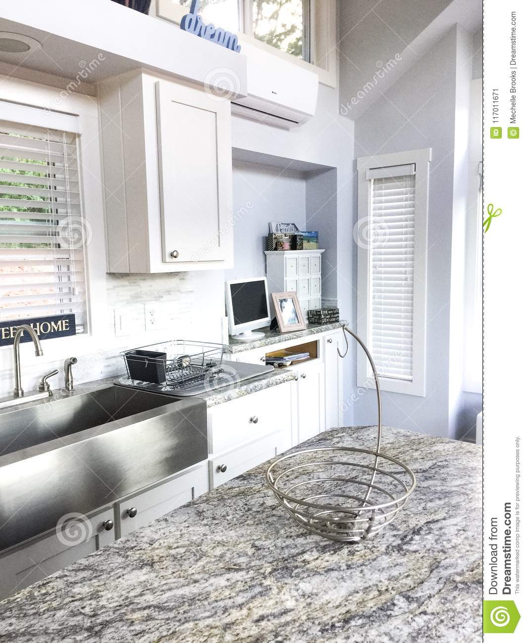 Dream Big Live Small In A Tiny House In Texas Stock Image Image Of White Saving 117011671