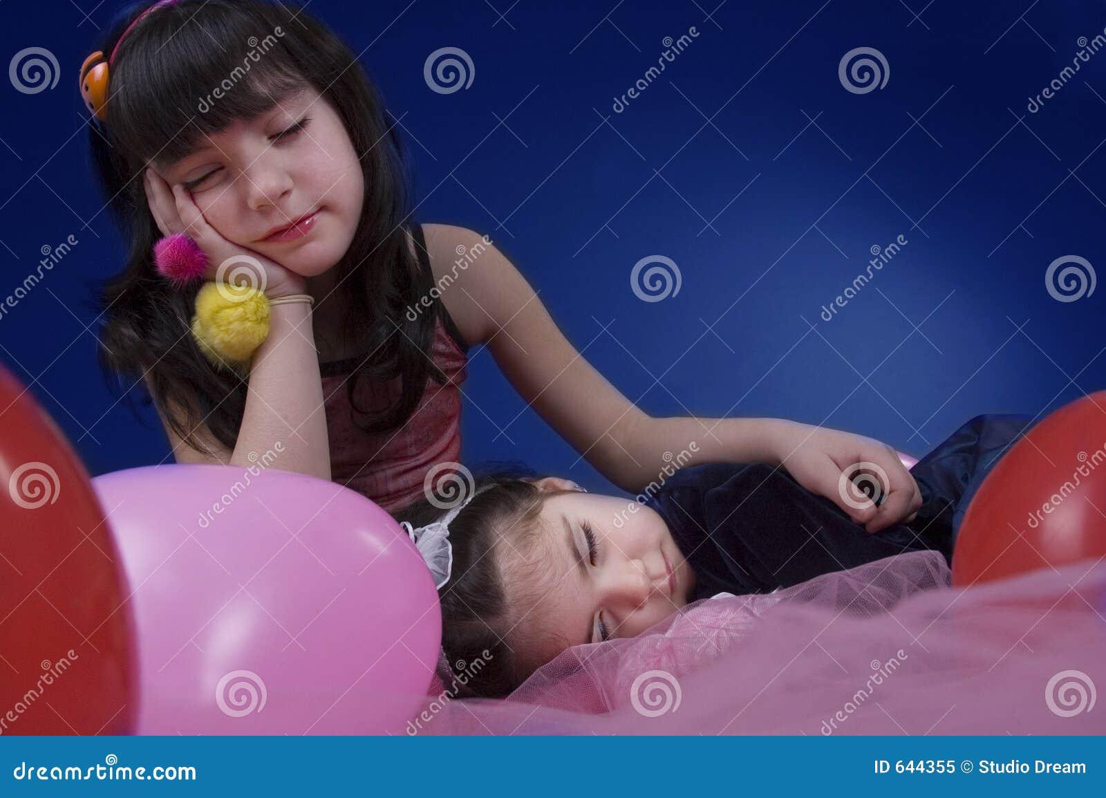 Download Dreamland стоковое изображение. изображение насчитывающей сонно - 644355