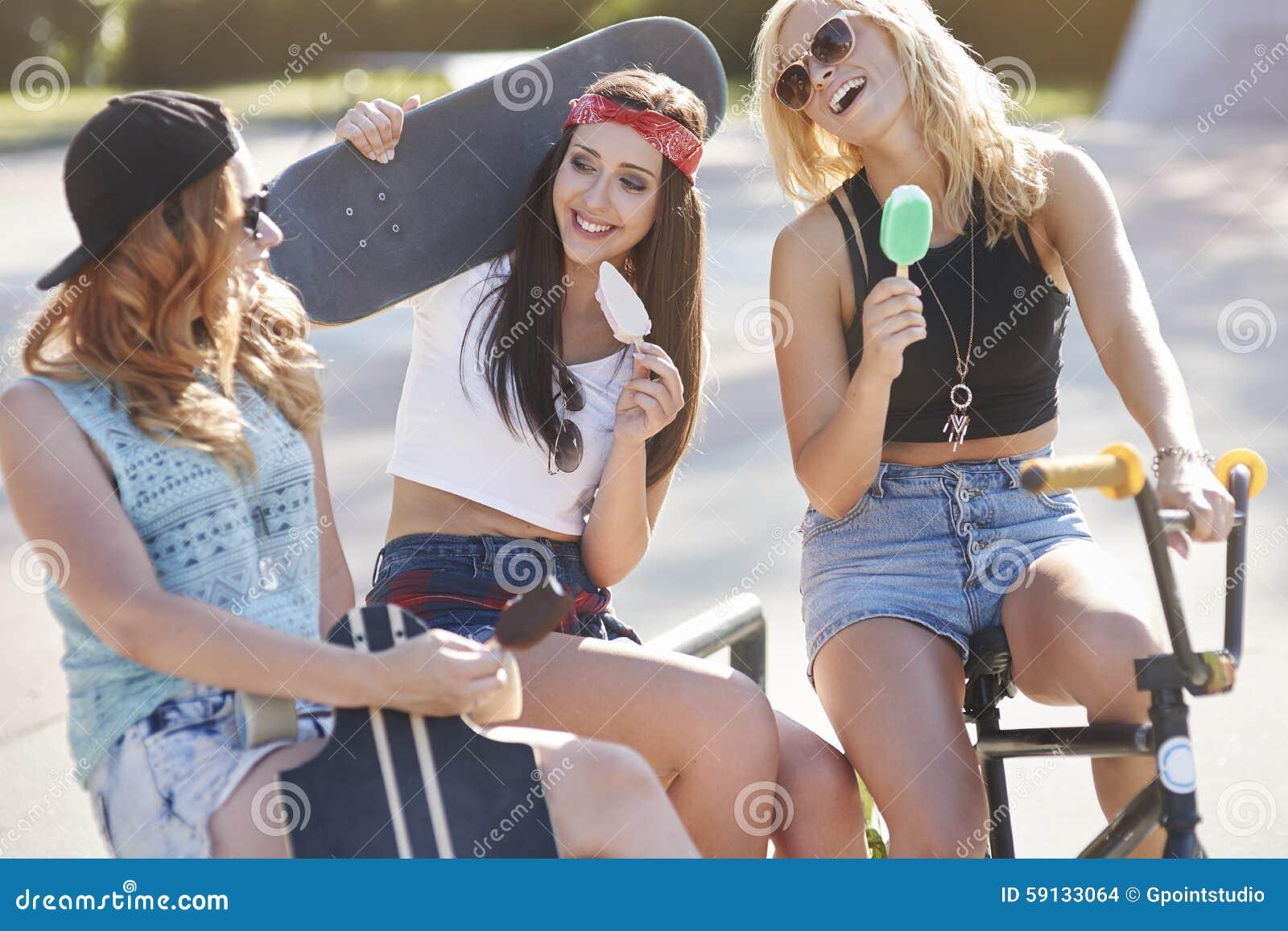 drei beste freundinnen