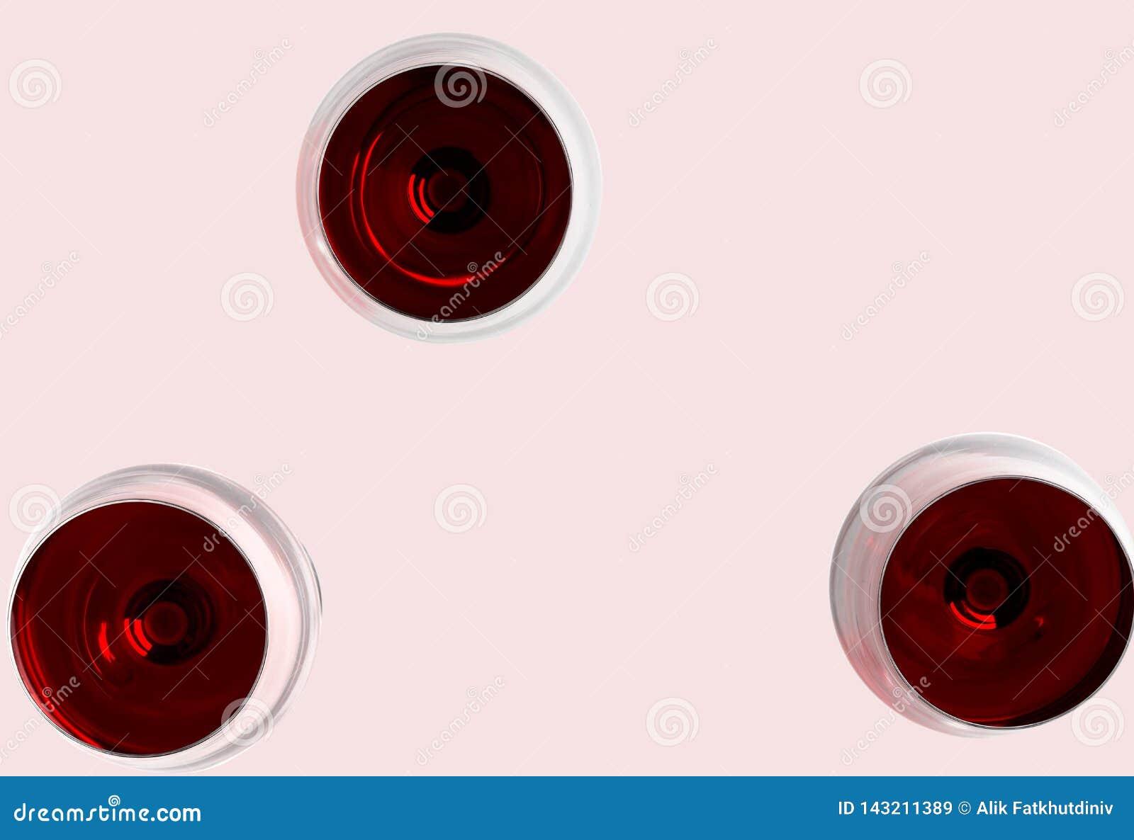 Drei Gläser von Rotwein Modell