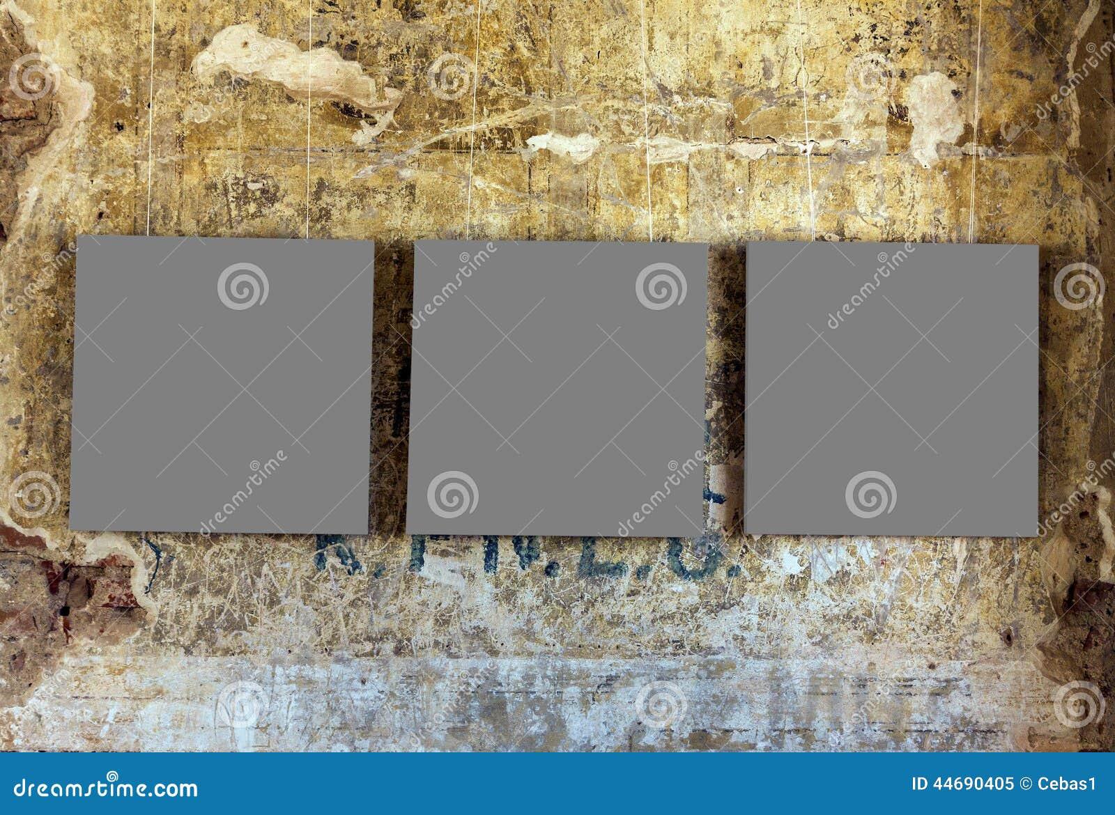 Drei leere Gemälderahmen stockbild. Bild von wand, galerie - 44690405