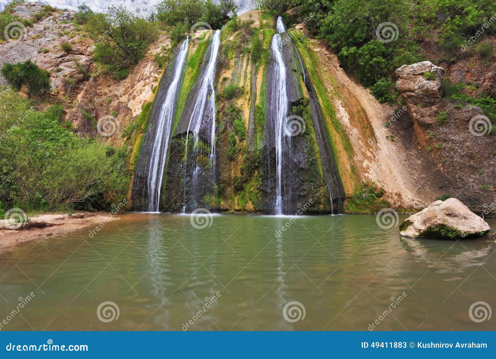 Download Drei Parallele Ströme Wasser Stockbild - Bild von auge, bereich: 49411883