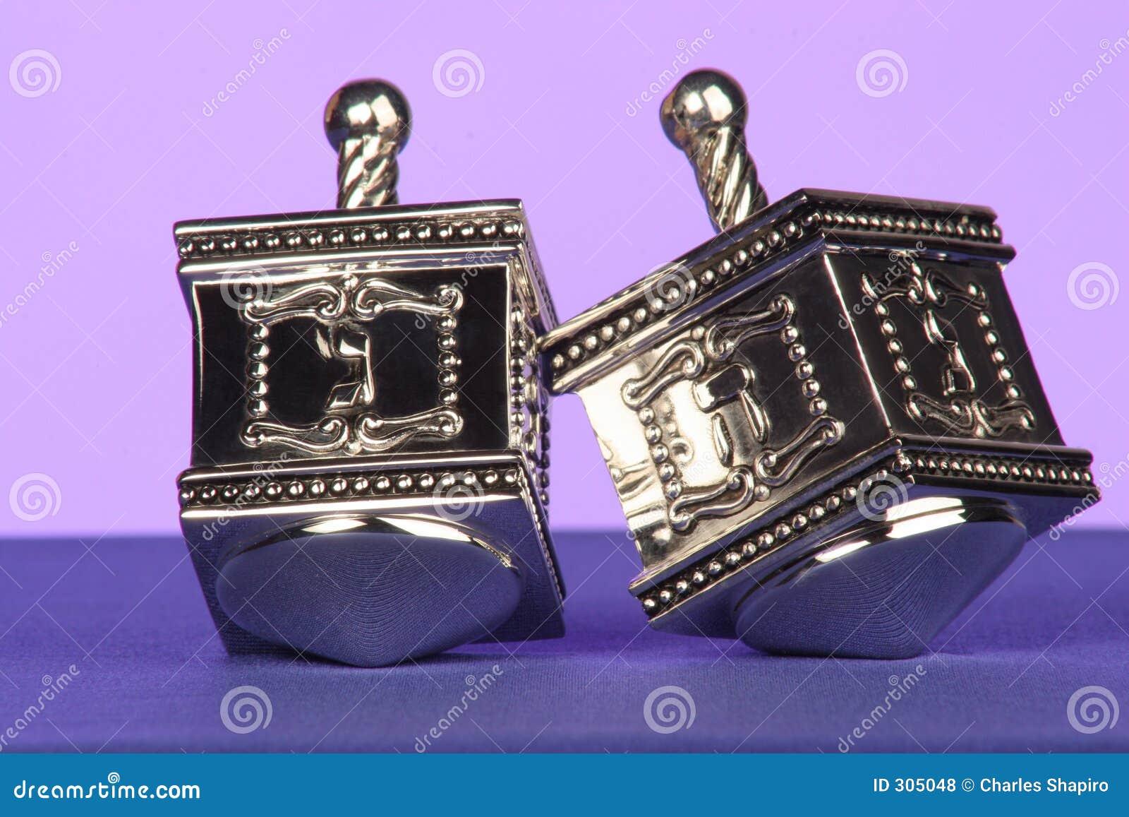 Dreidels de prata tradicionais