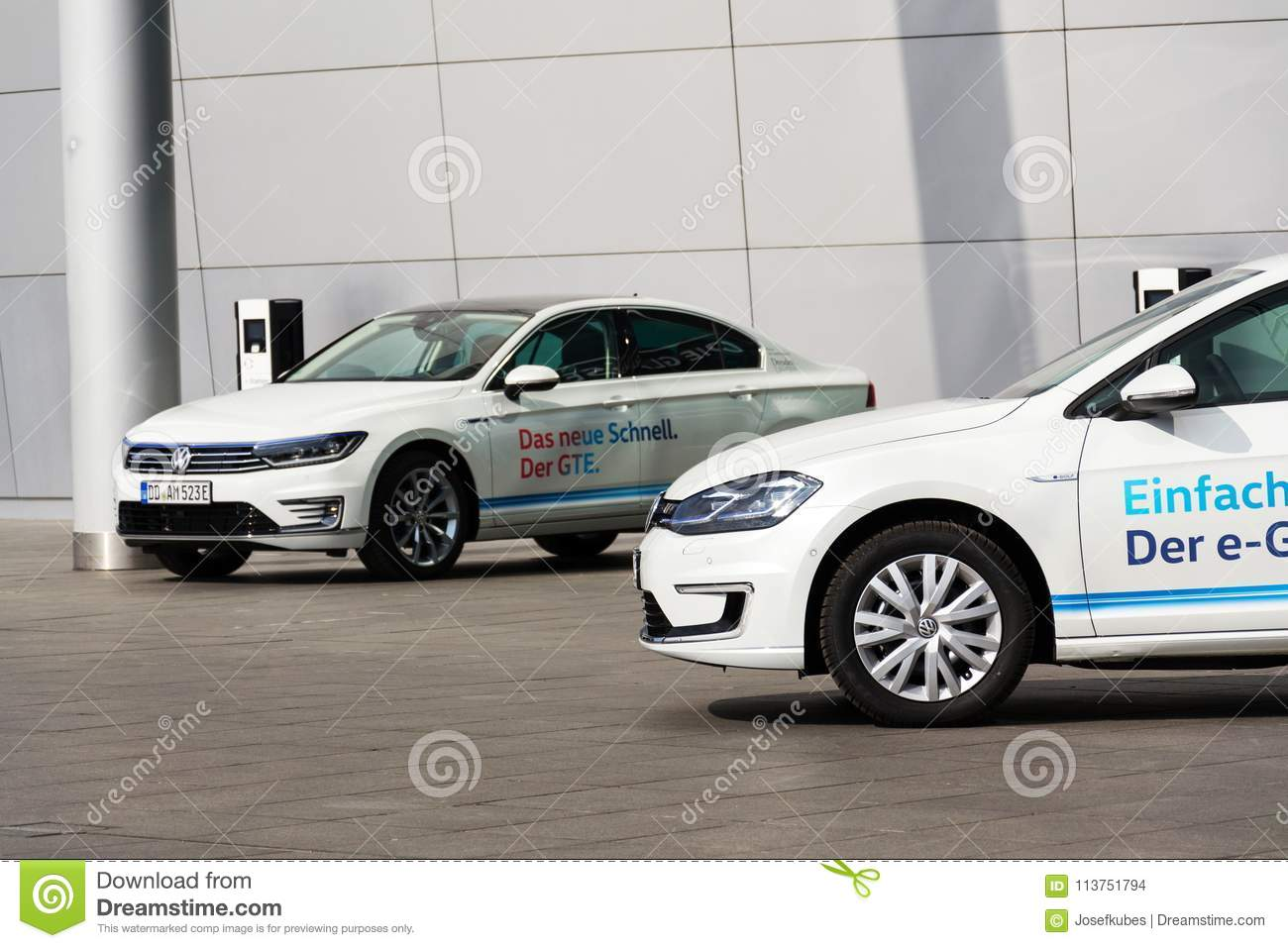 Plug-in Hybrid Volkswagen Golf GTE And E-Golf Electric Cars Stand By ...