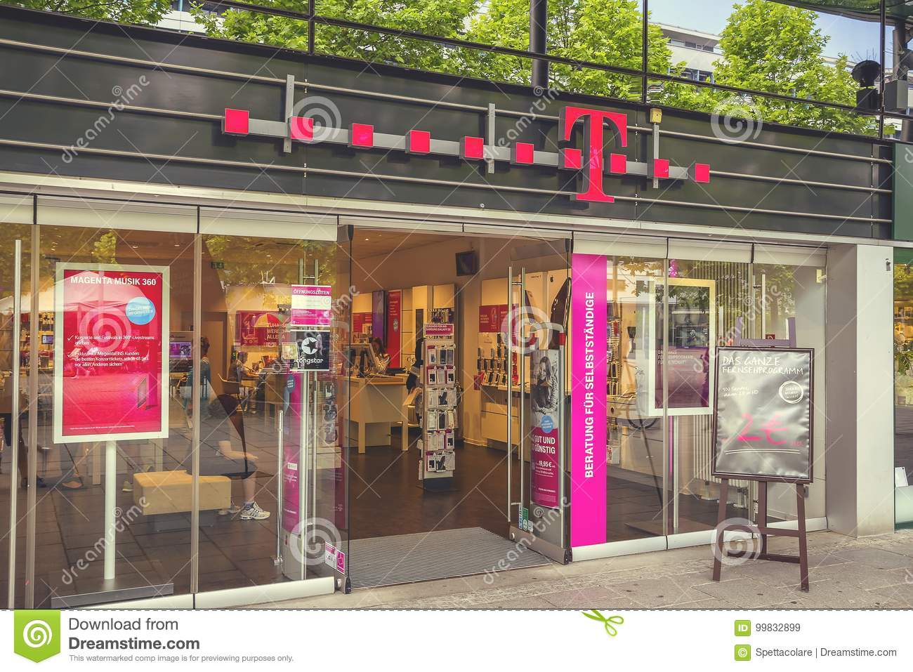 T Mobile Store Exterior 2 Editorial Stock Image Image Of
