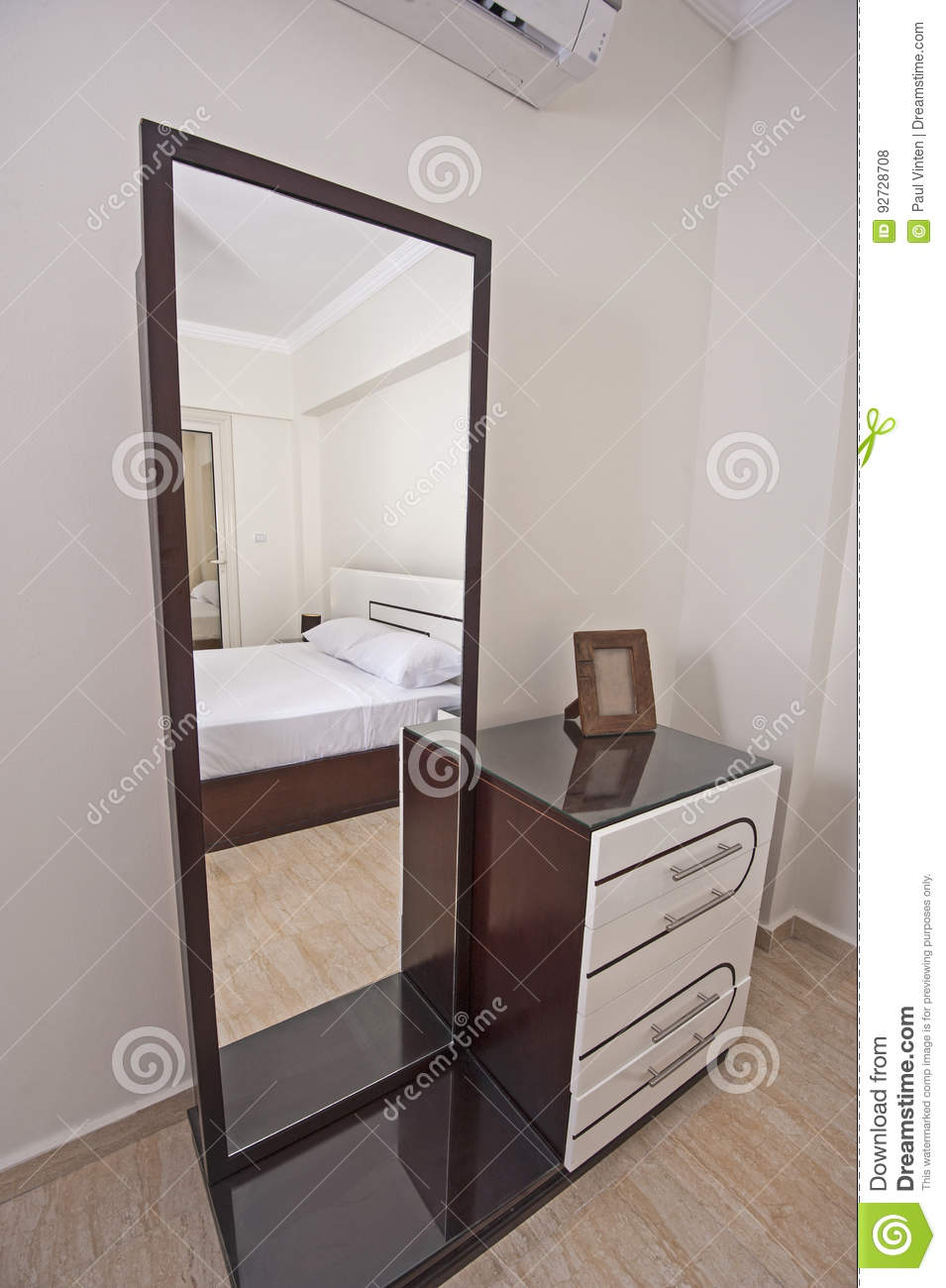 Dressing Table Chest Of Drawers In Apartment Bedroom Stock Photo
