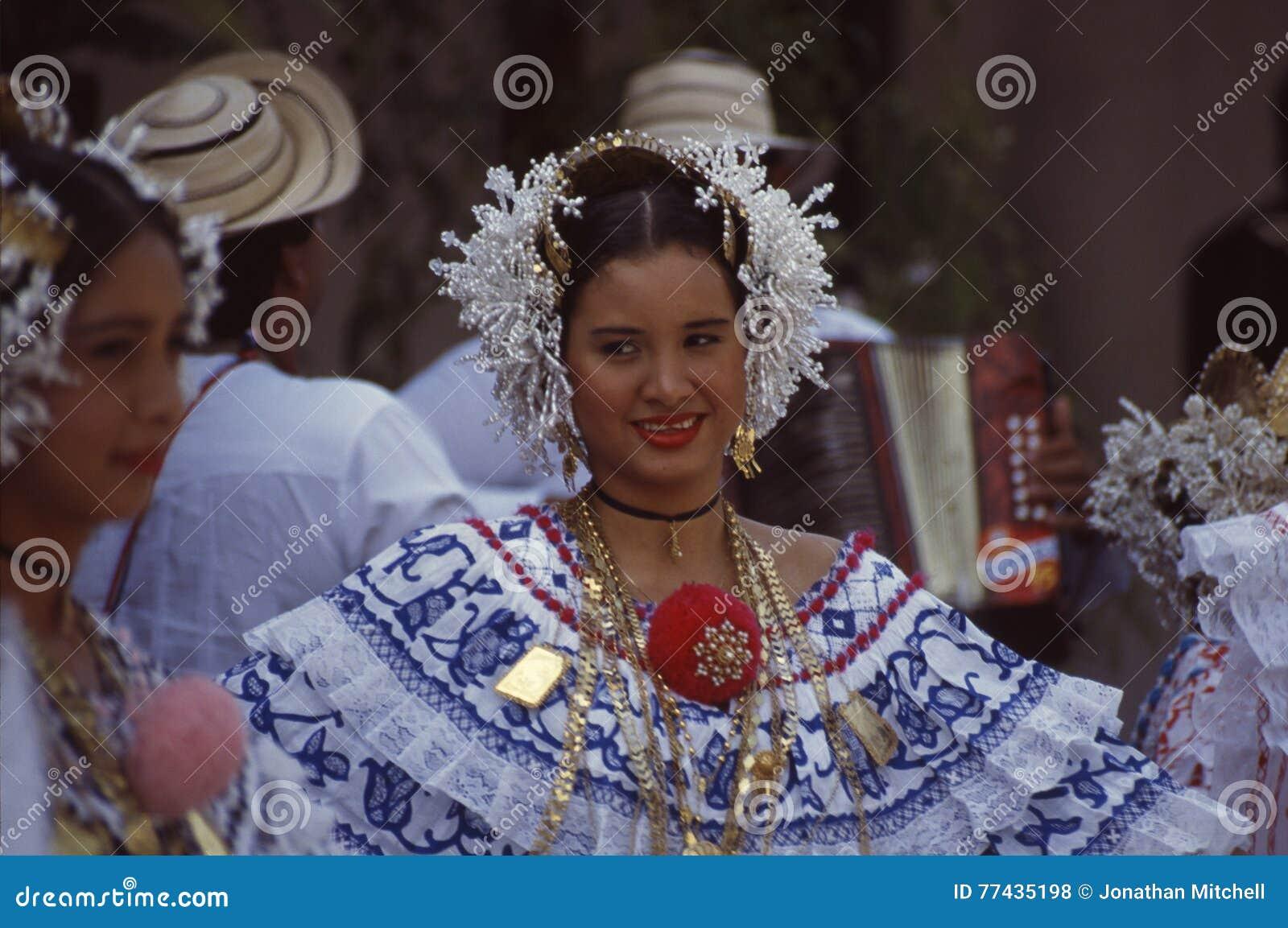 Dresss Tradicionales Panama De Pollera Foto De Archivo Editorial