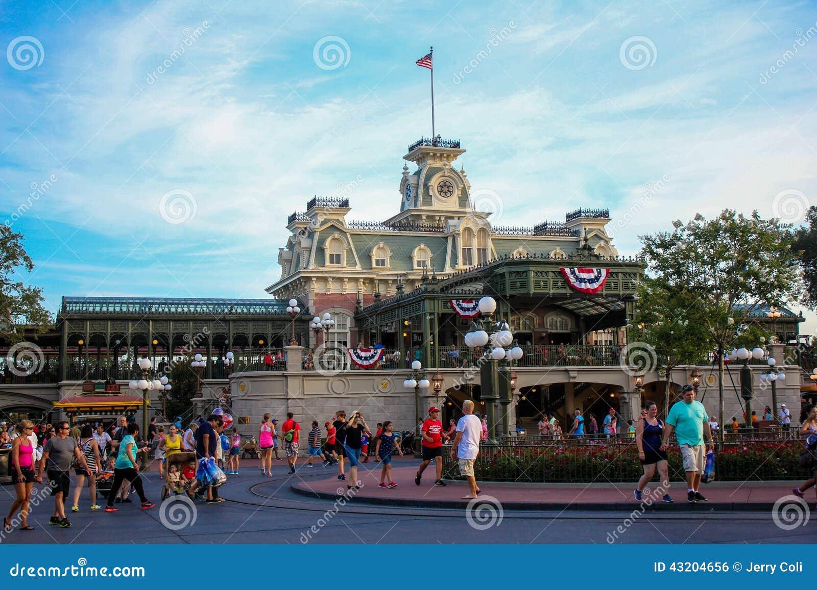 Download Drevstation På Walt Disney World Redaktionell Bild - Bild av orlando, disney: 43204656