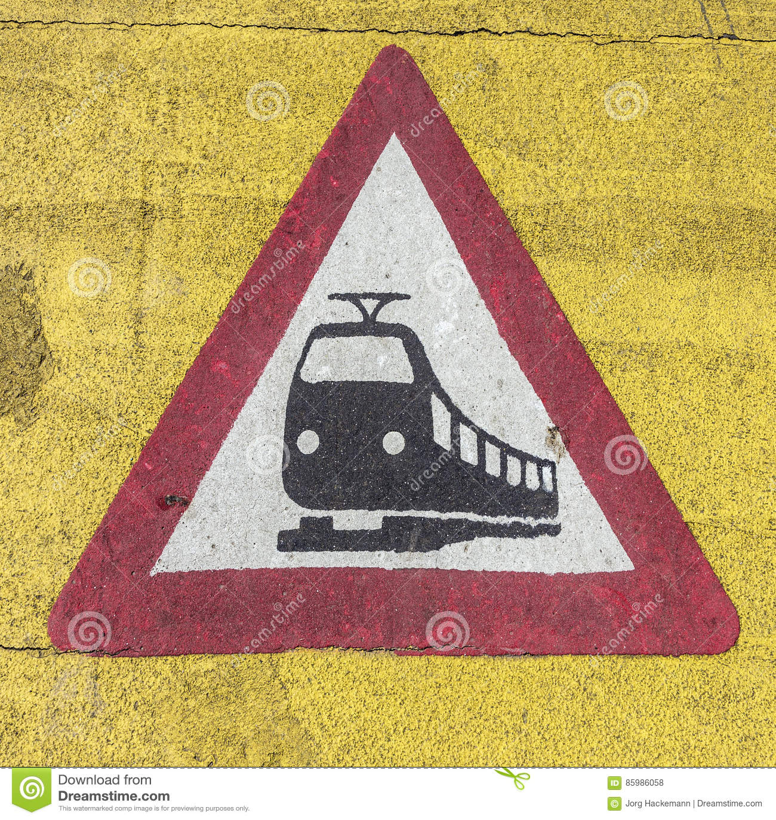 Drevvarningstecken på en järnvägkorsning