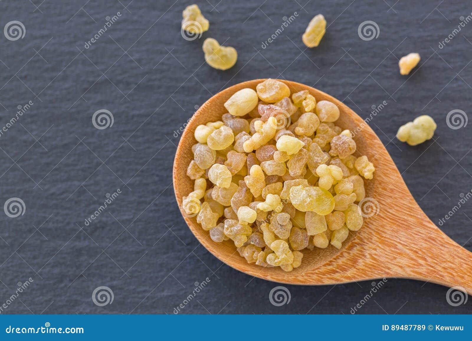Drewniana łyżka Aromatyczny żółty żywicy dziąsło od sudańczyka Frankinc