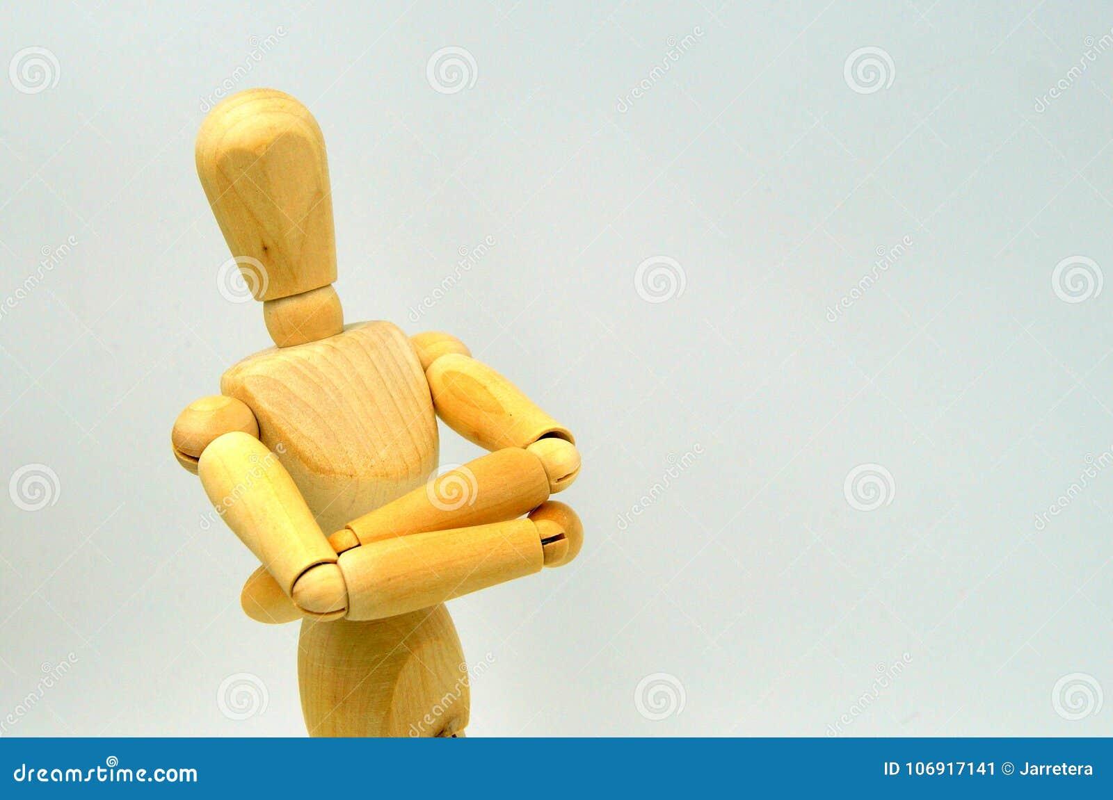 Drewniana mannequin postać: arogancki