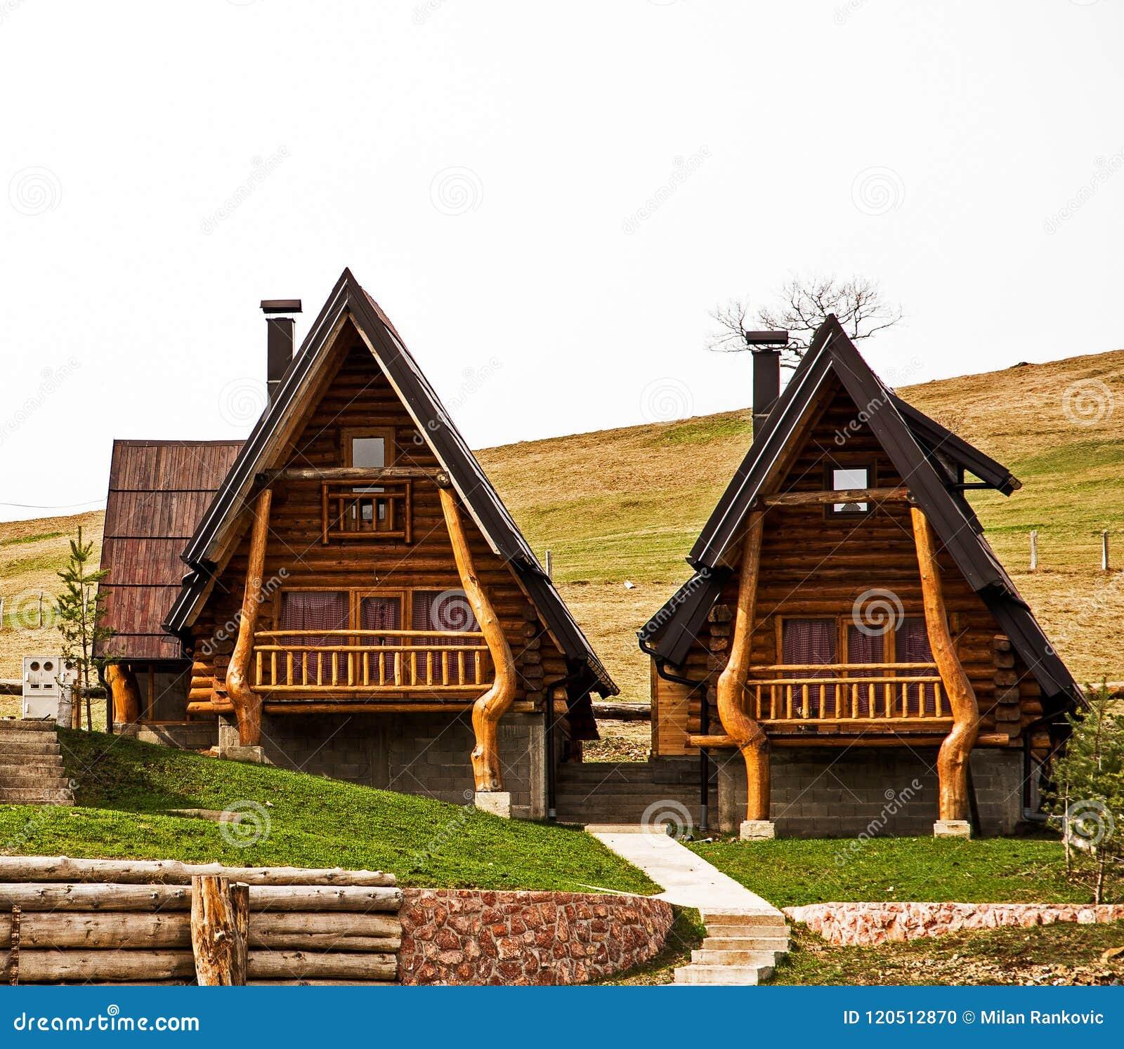 Drewniane chałupy, tradycyjny projekt, mt Zlatibor