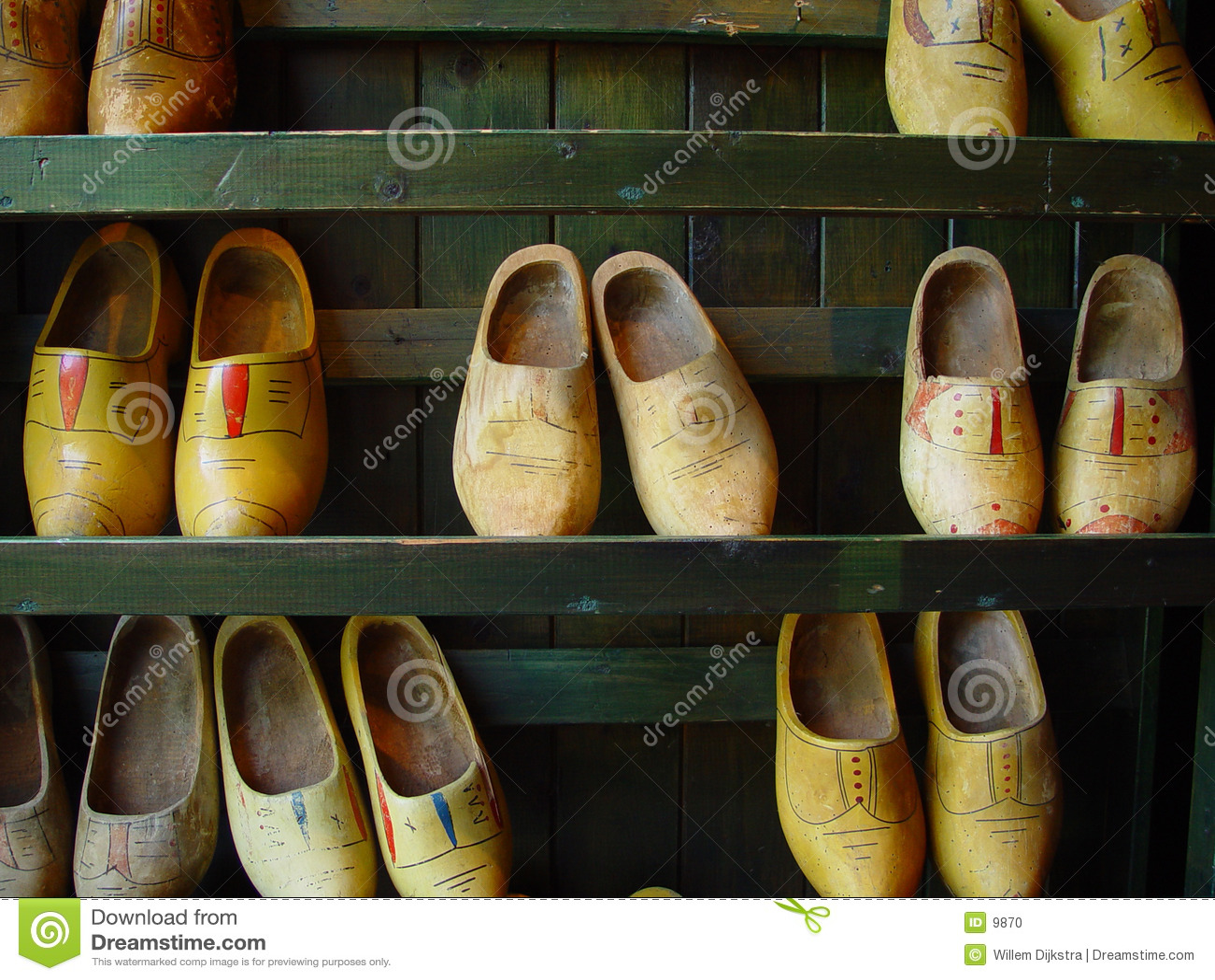 Drewnianego butów