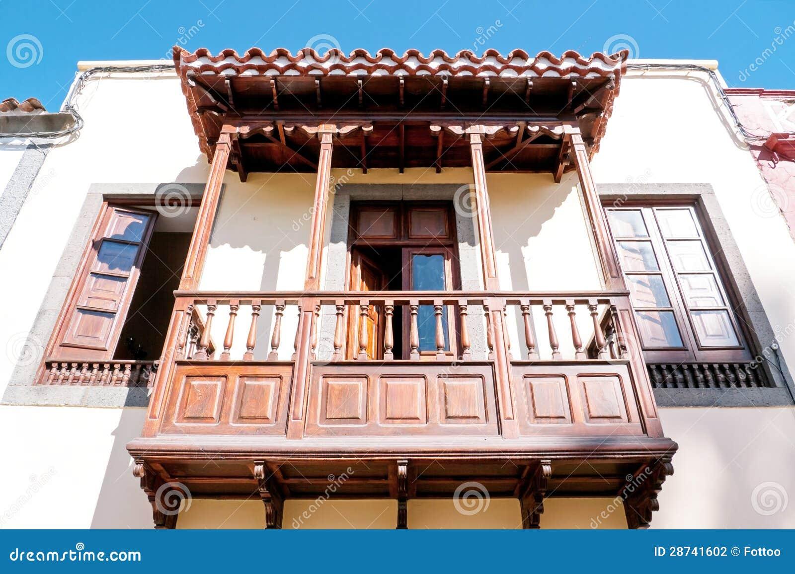 Drewniany balkon zdj cie stock obraz z o onej z kultura 28741602 - Balcones de madera ...