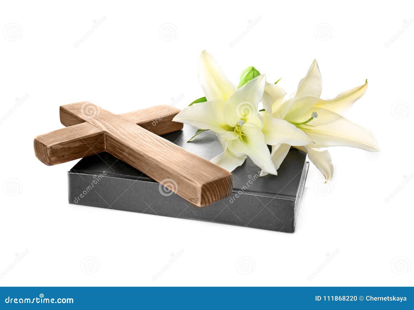 Drewniany krzyż, Święta biblia i leluja,