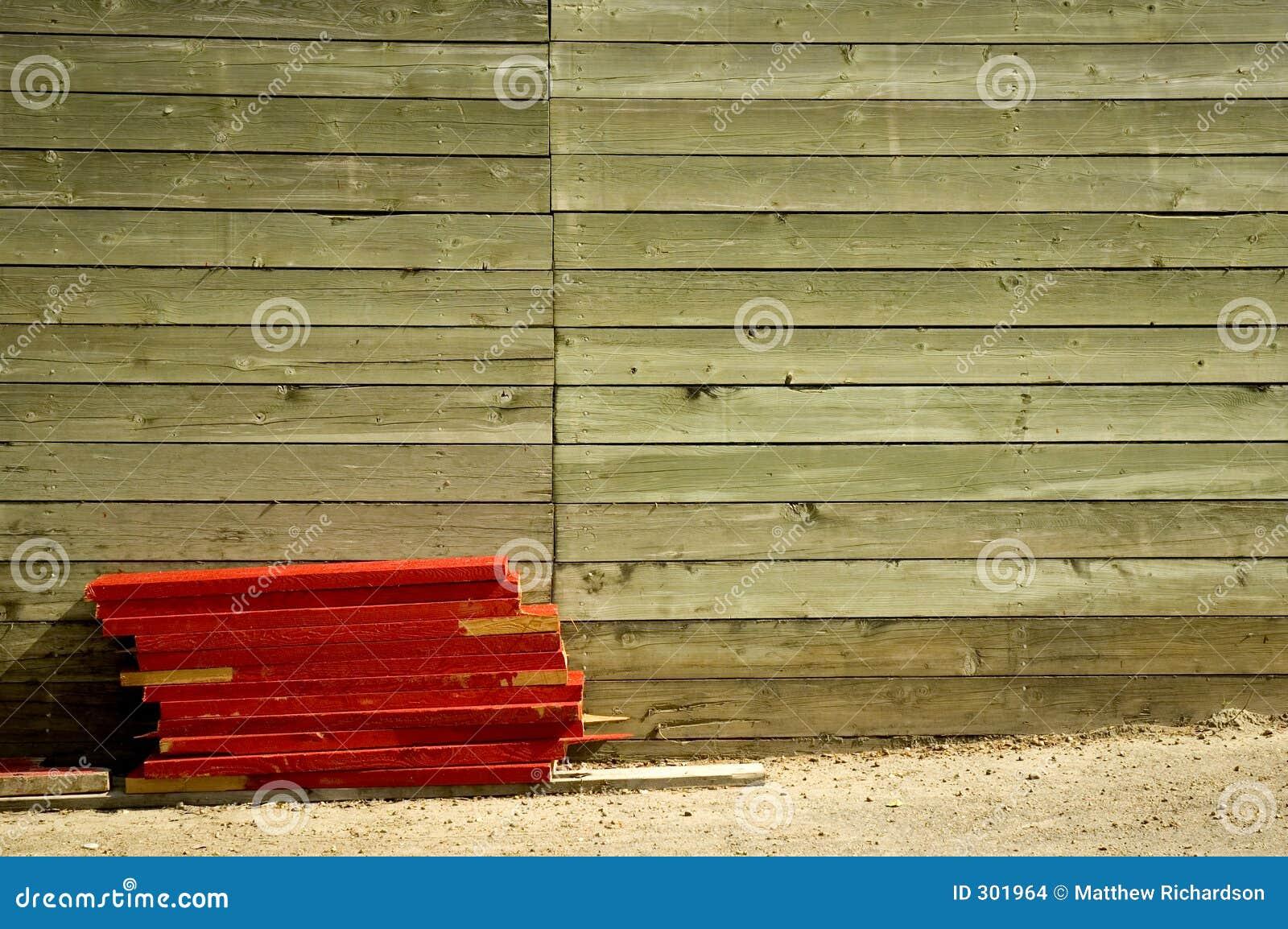 Drewniany mur