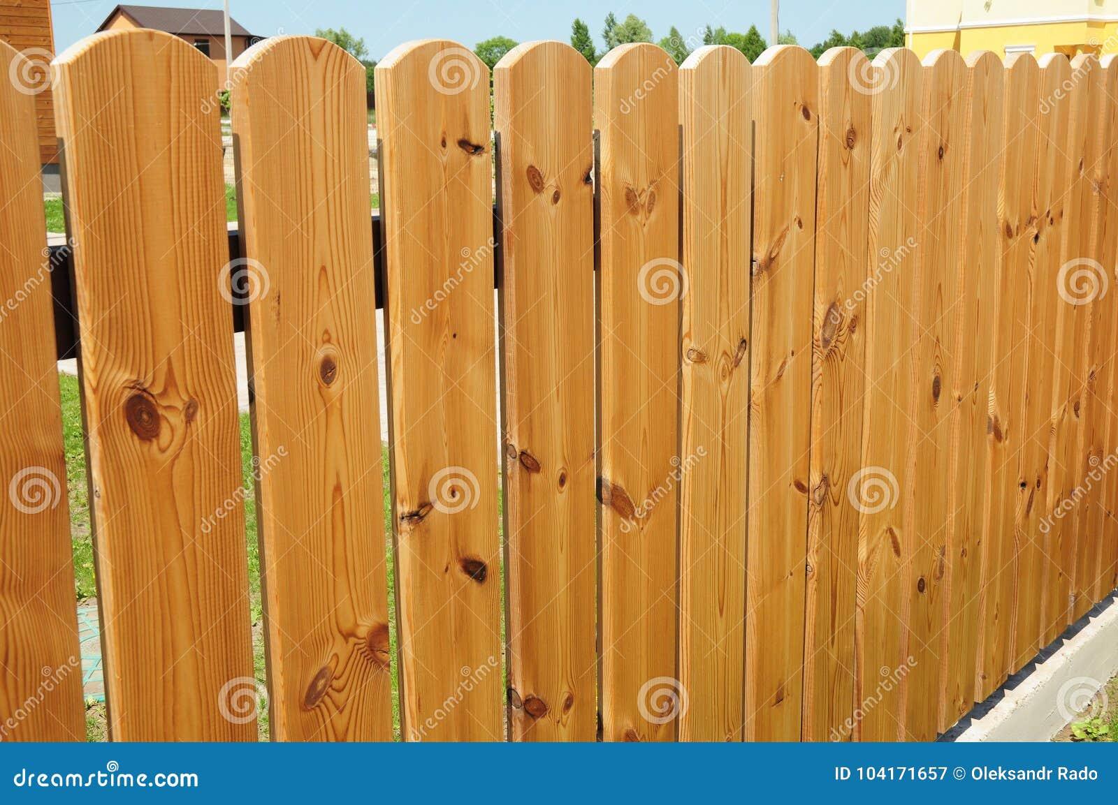 Drewniany płotowy drzwi Wygodny drewna ogrodzenie - Drewniany fechtunek