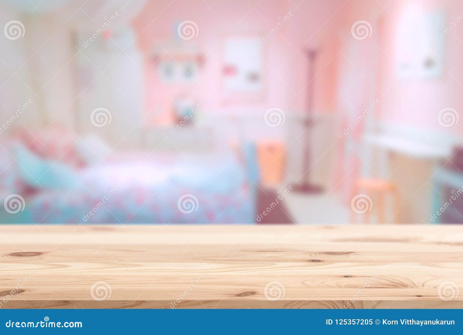 Drewniany przedpole z plam menchii uroczą sypialnią