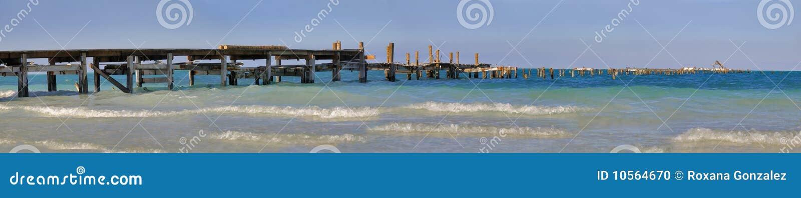 Drewniany seascape przejście