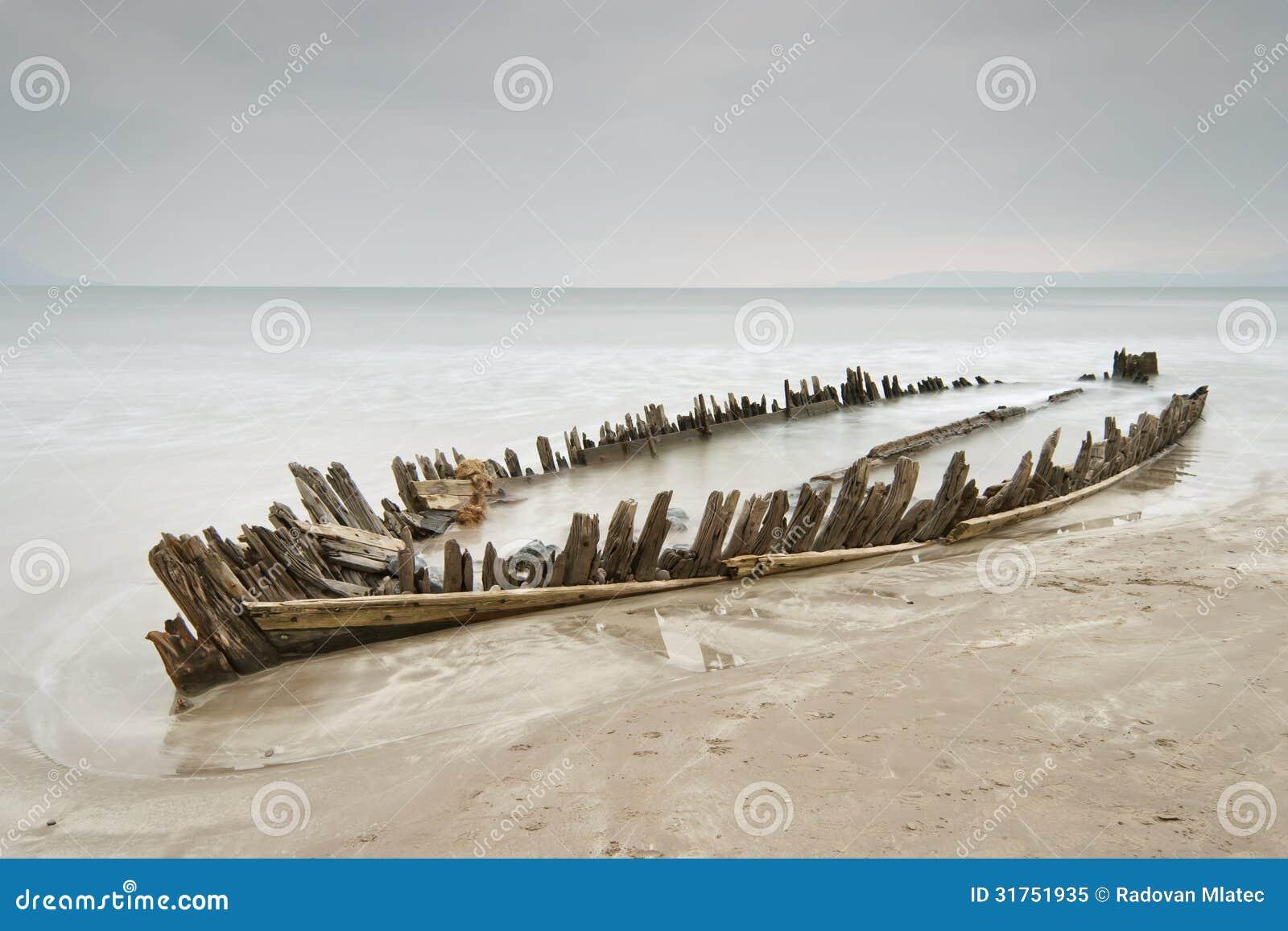 Drewniany shipwreck