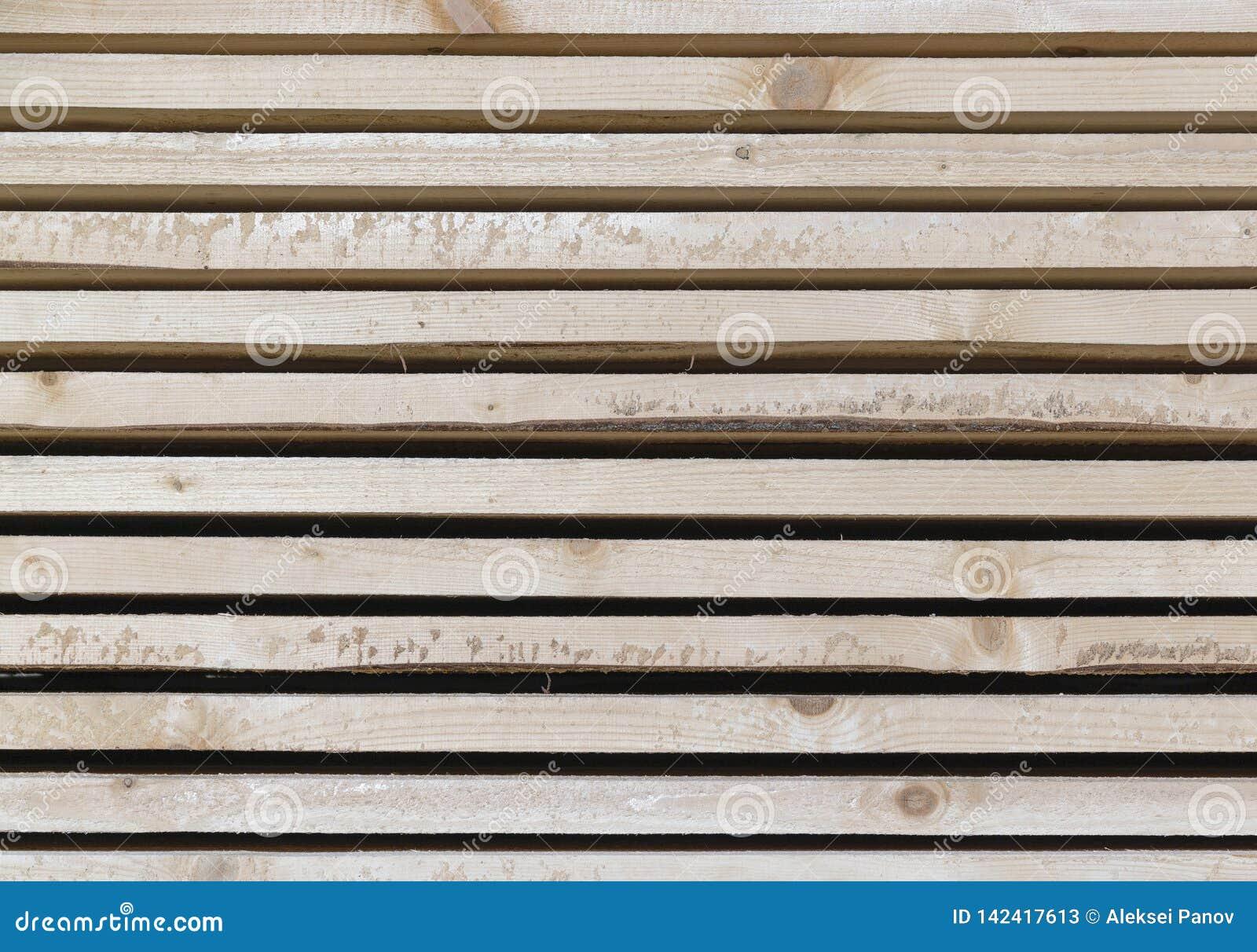 Drewniany szalunek w tartaku