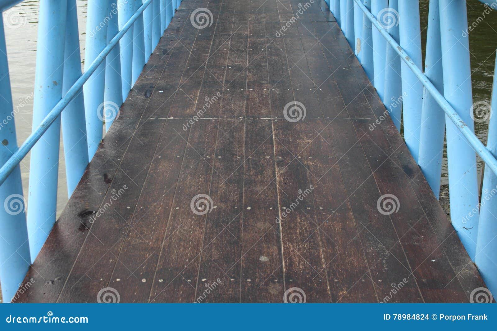Drewno most