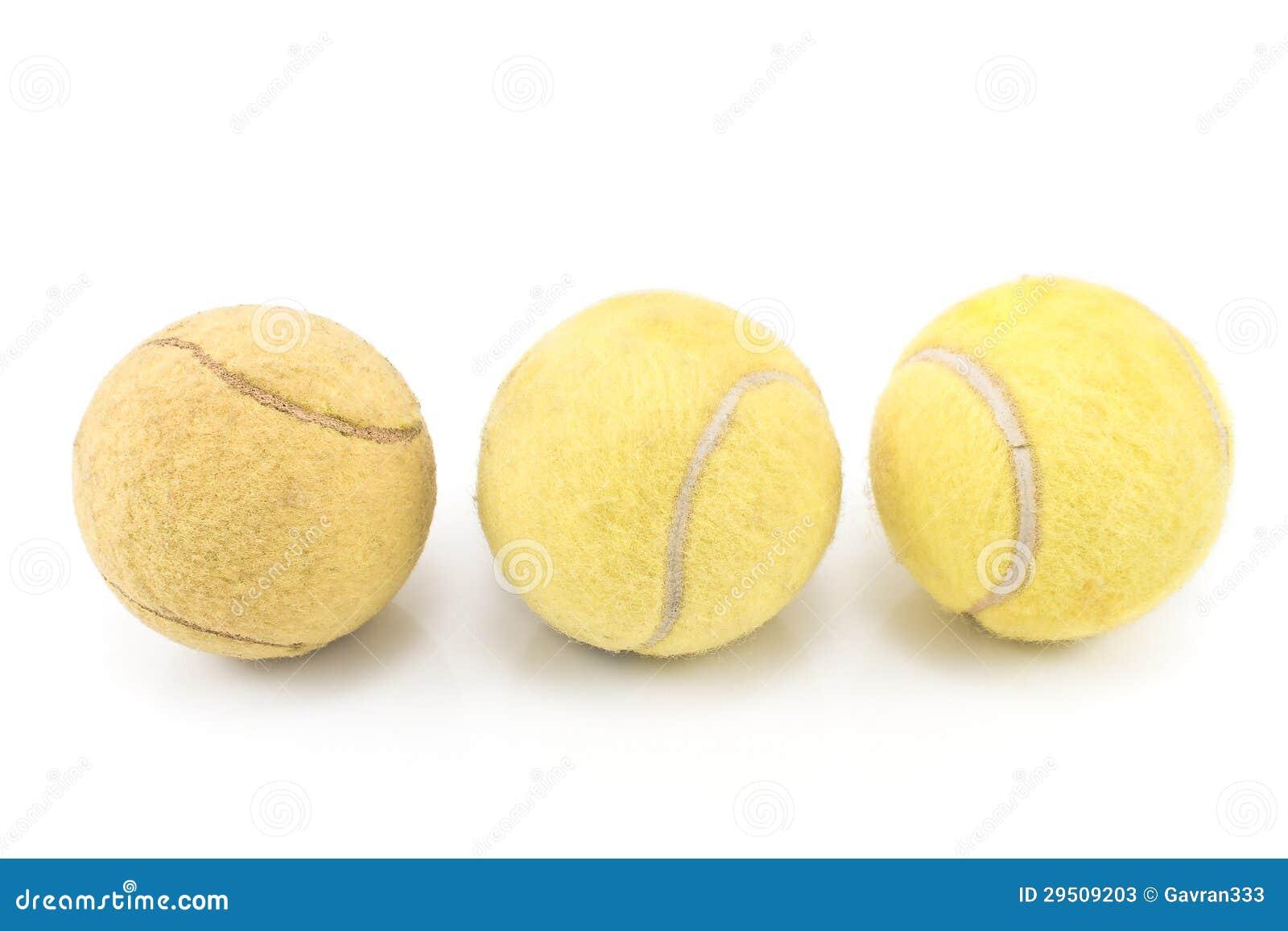 Drie gebruikte tennisballen
