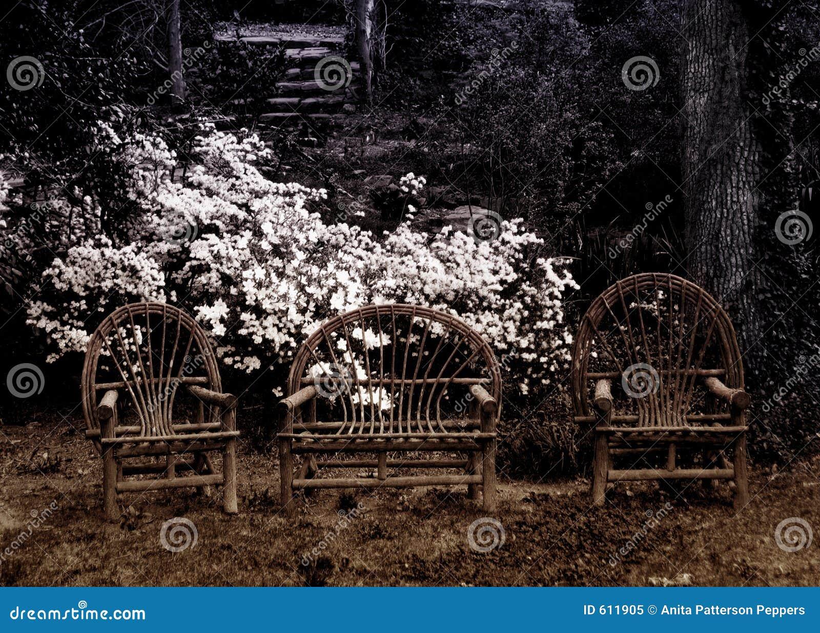 Drie stoelen