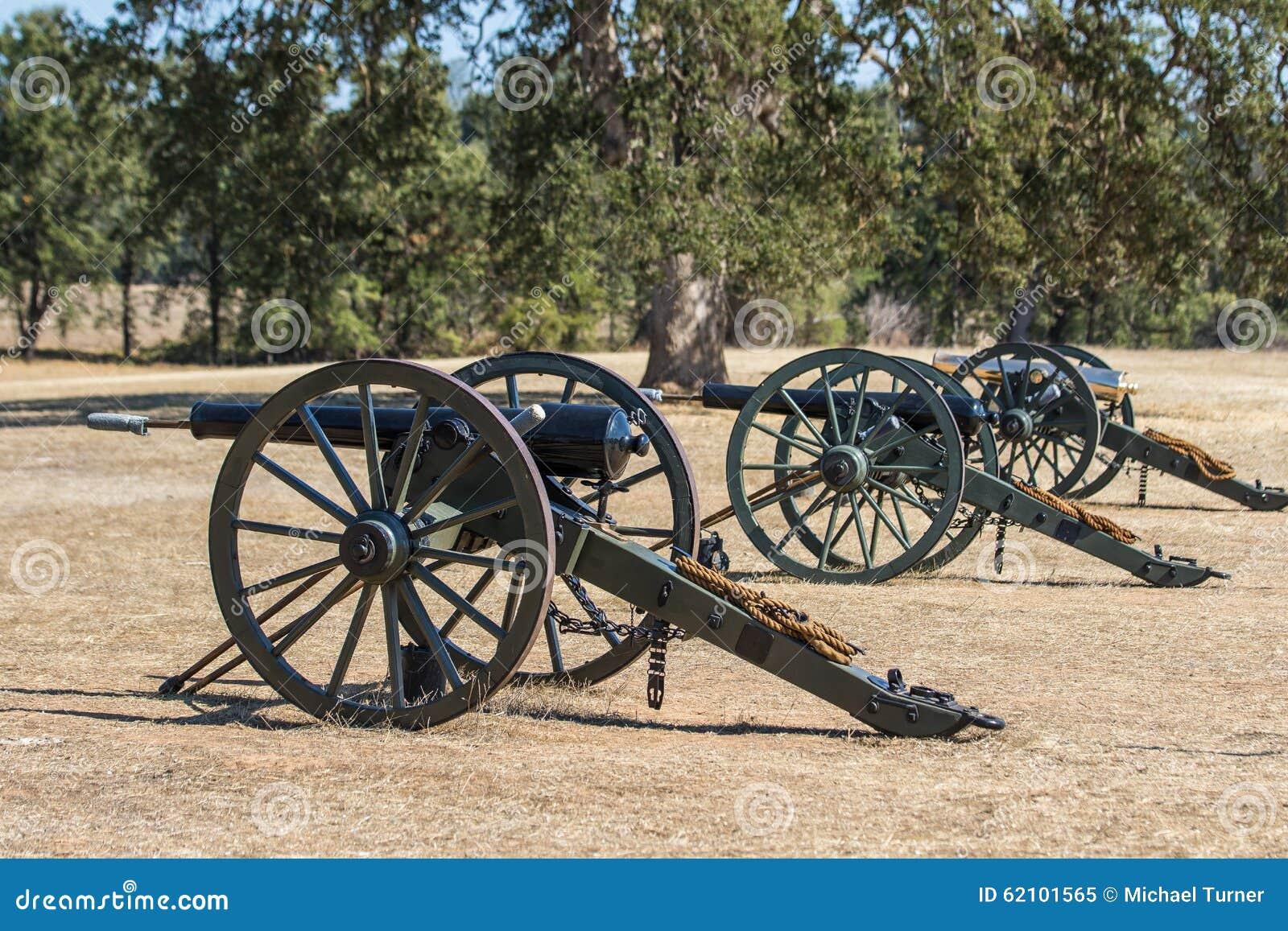Drie Unie Legerkanonnen
