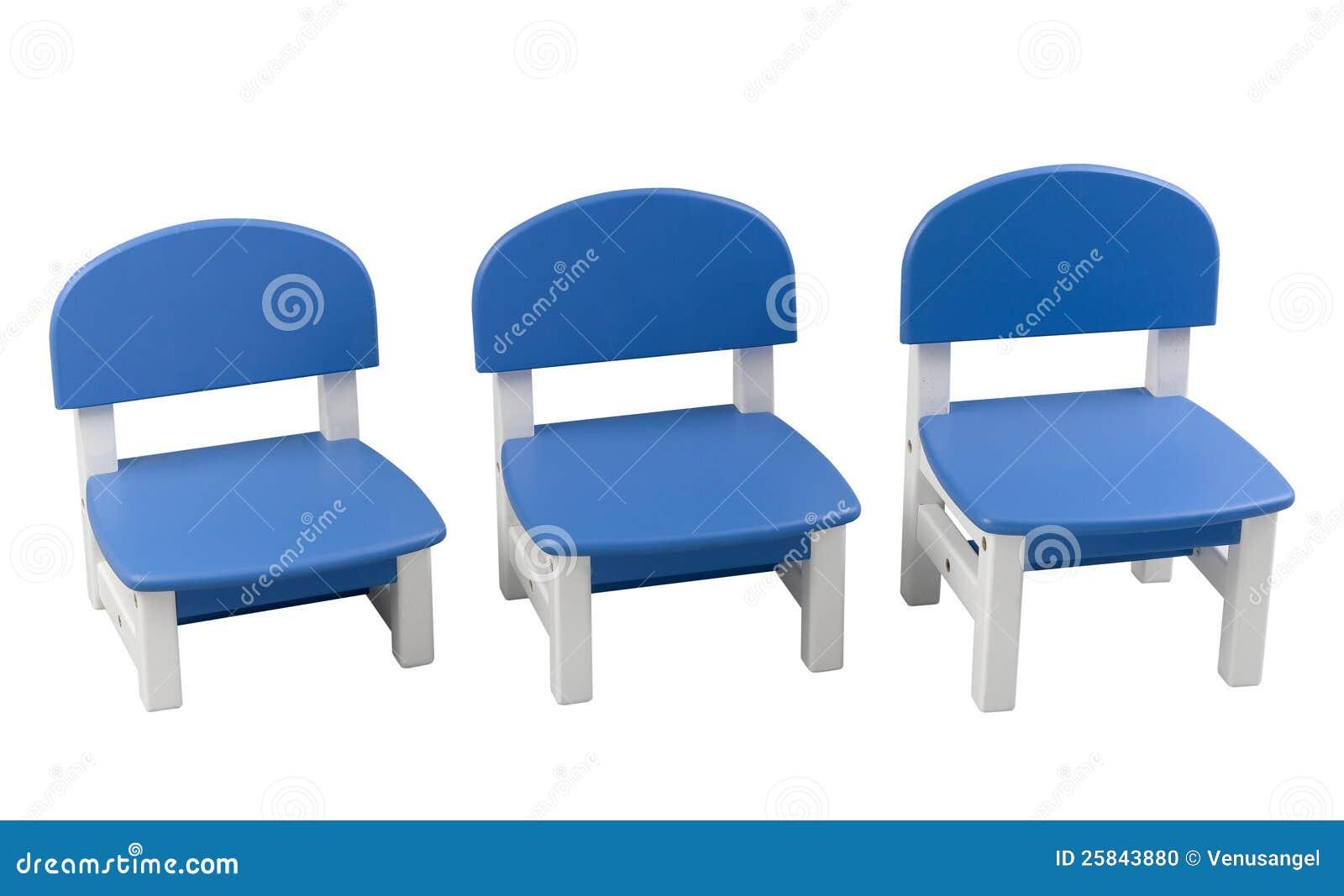 Stoel Voor Kind : Drie van kleine blauwe stoelen voor kind stock foto afbeelding