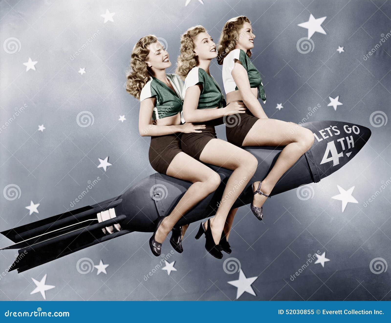 Drie vrouwen die op een raket zitten (Alle afgeschilderde personen leven niet langer en geen landgoed bestaat Leveranciersgaranti