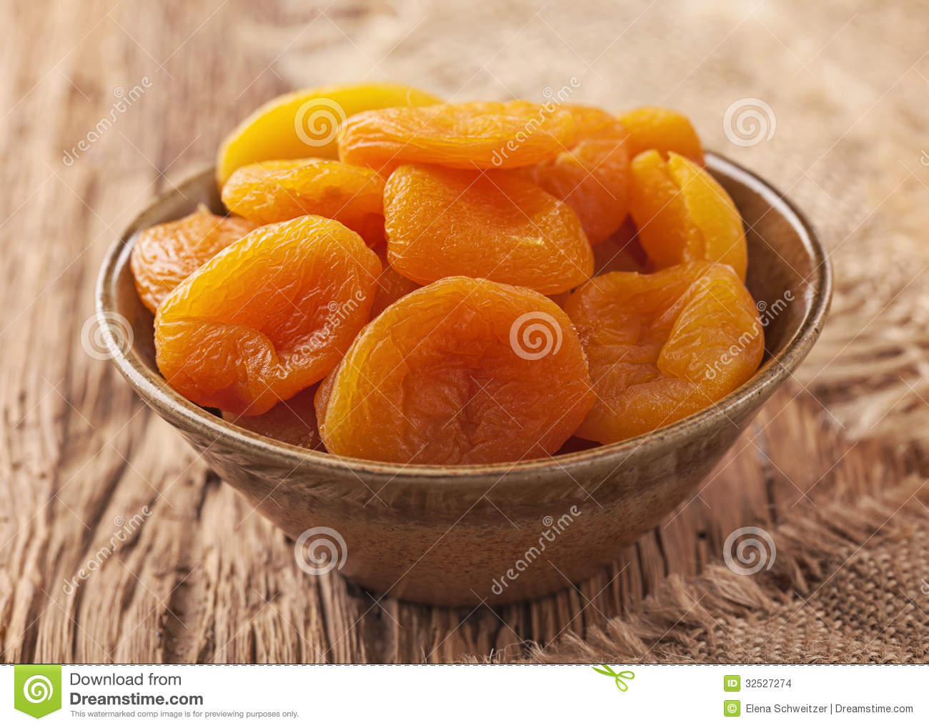 how to make dried apricots at home