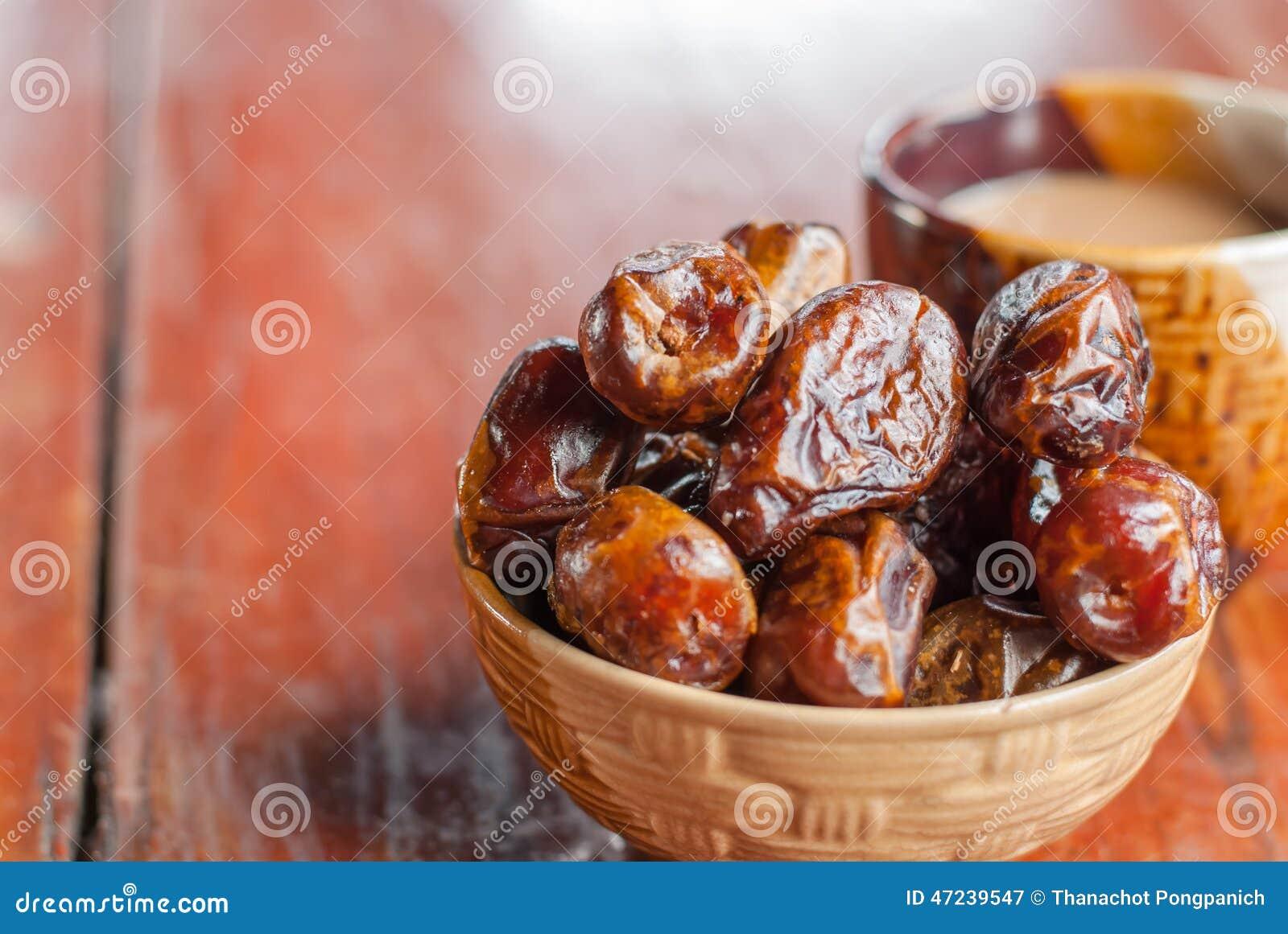 senior dating dates fruit