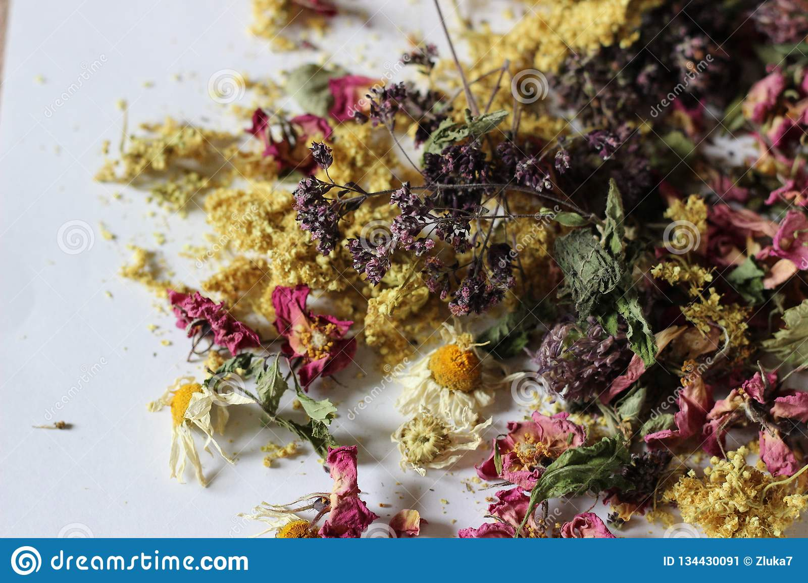 Dried flowers for aromatic tea