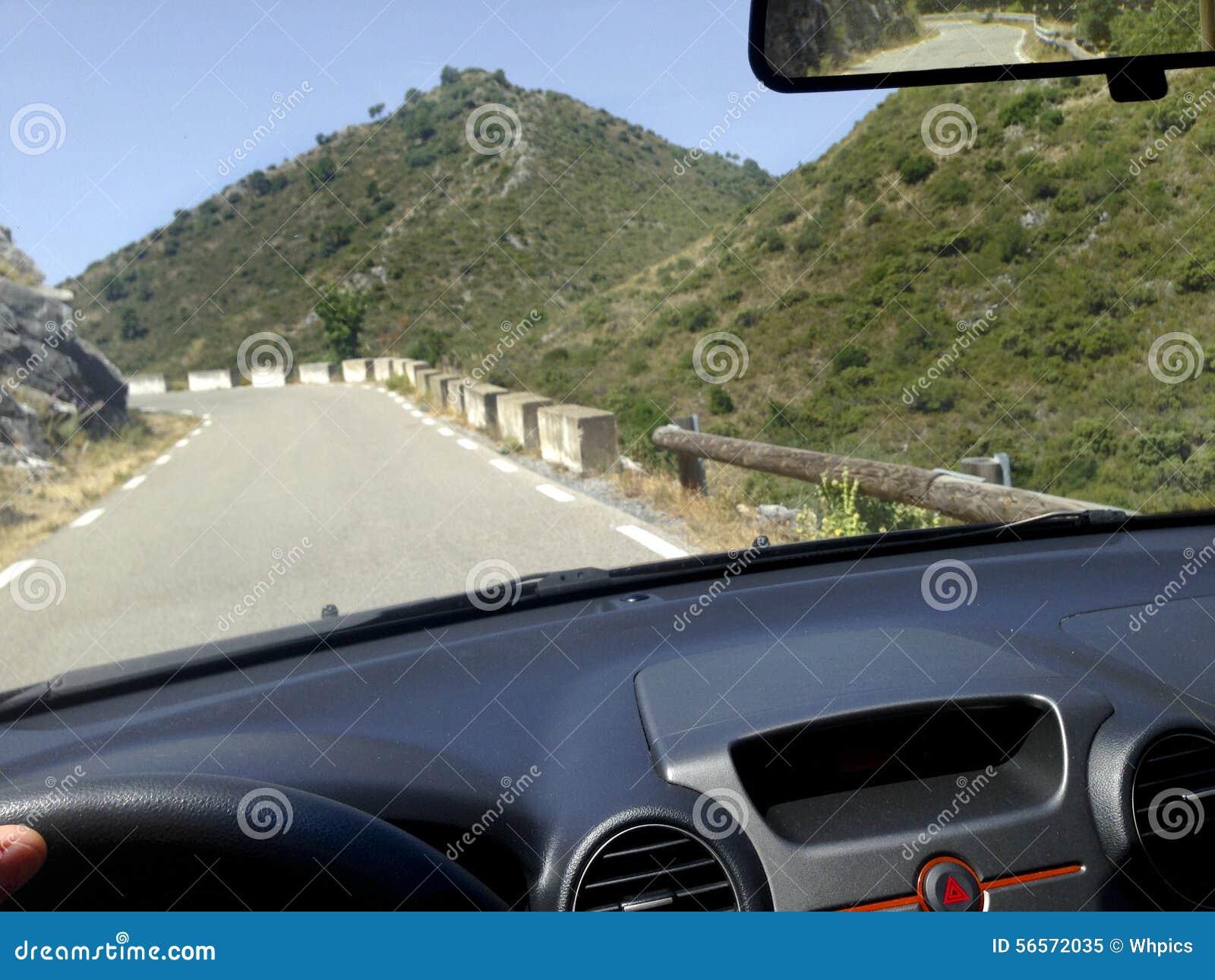 Driiving στους δρόμους βουνών