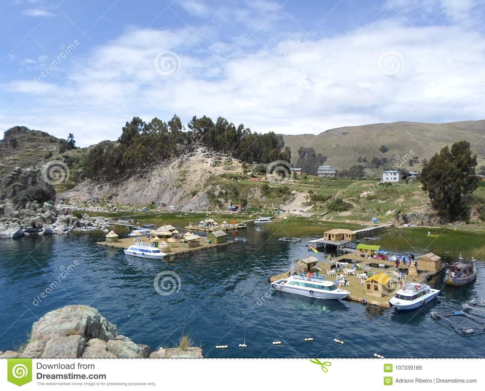 Drijvende eilanden van Meer Titicaca, Bolivië