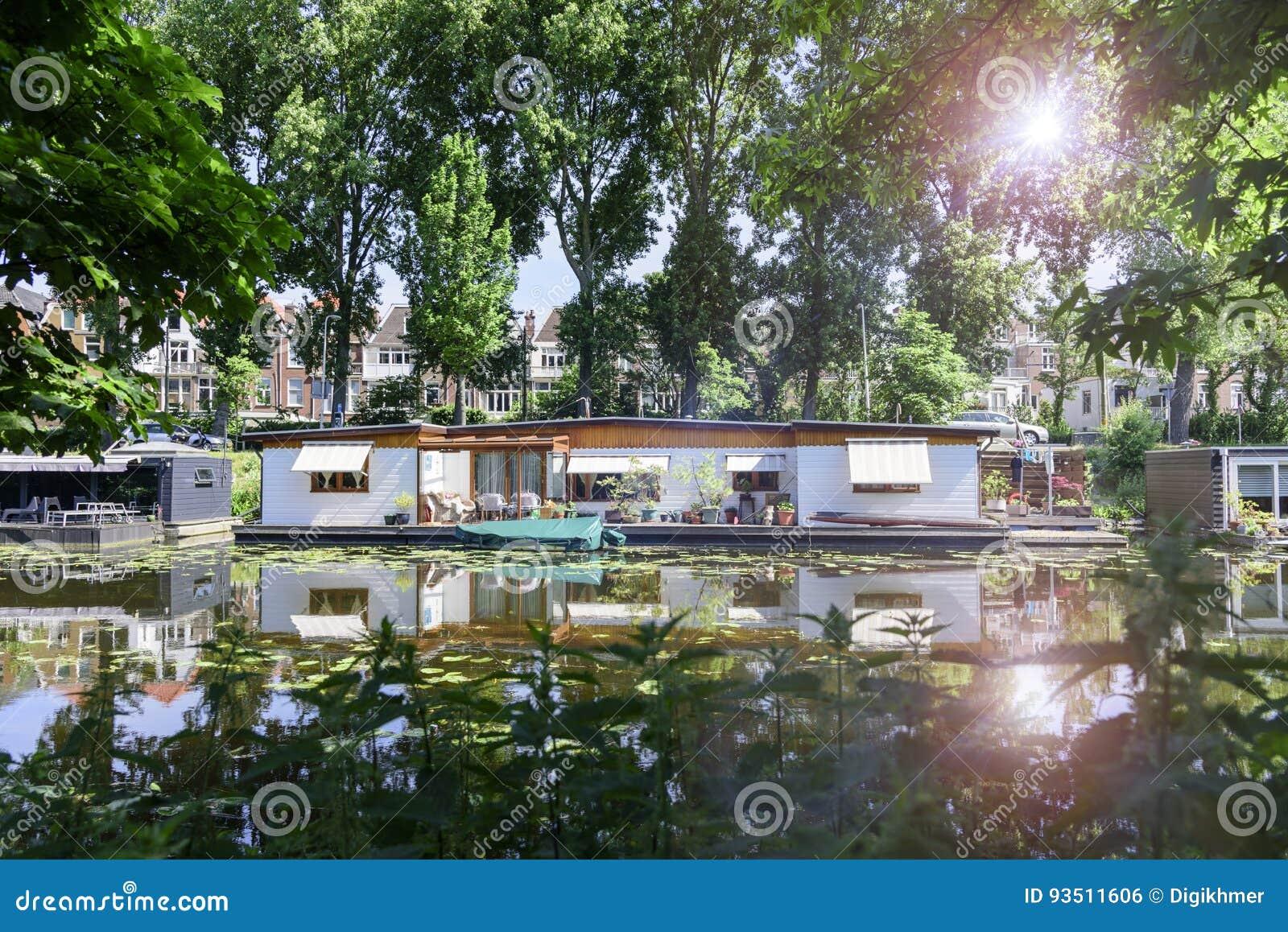 Drijvende huizen