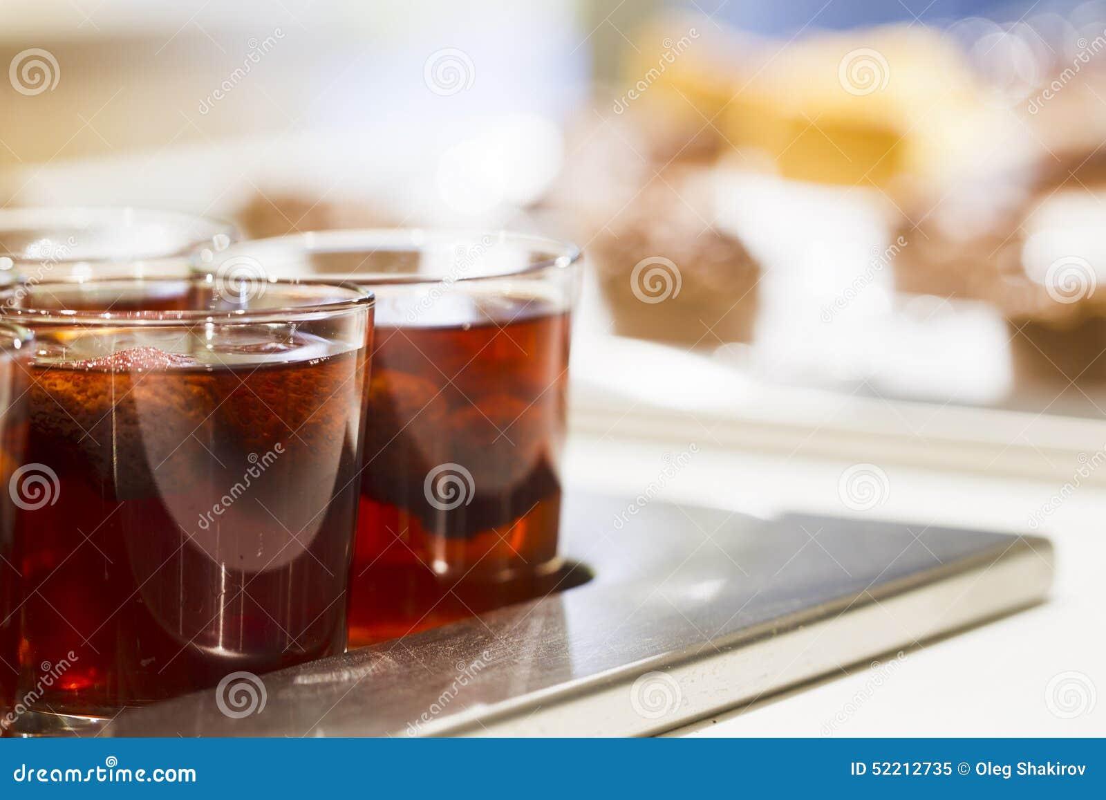 Drinkar i exponeringsglas