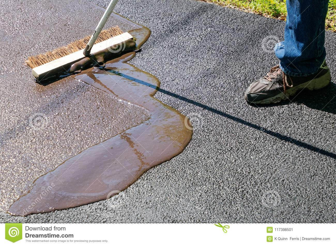 Driveway maintenance spreading sealant stock image image of work download driveway maintenance spreading sealant stock image image of work home 117398501 solutioingenieria Gallery