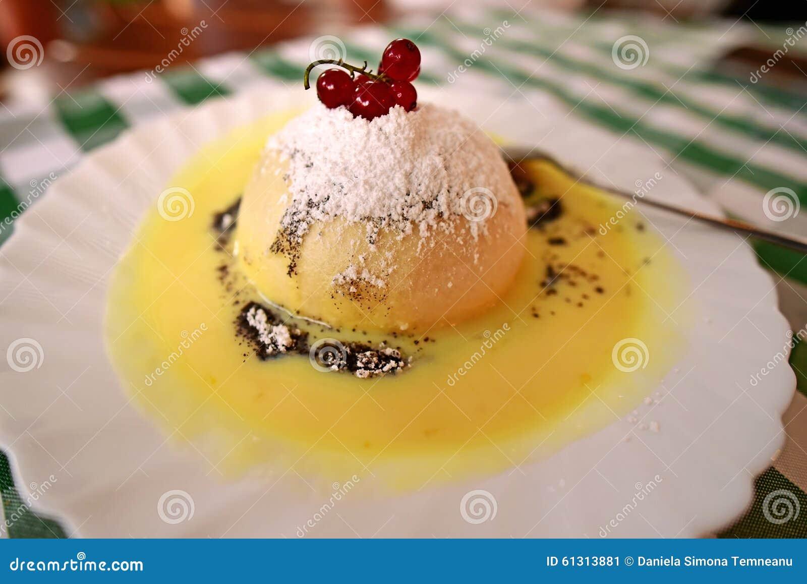 Drożdżowej Kluchy Tort Niemiecki Deser Obraz Stock Obraz