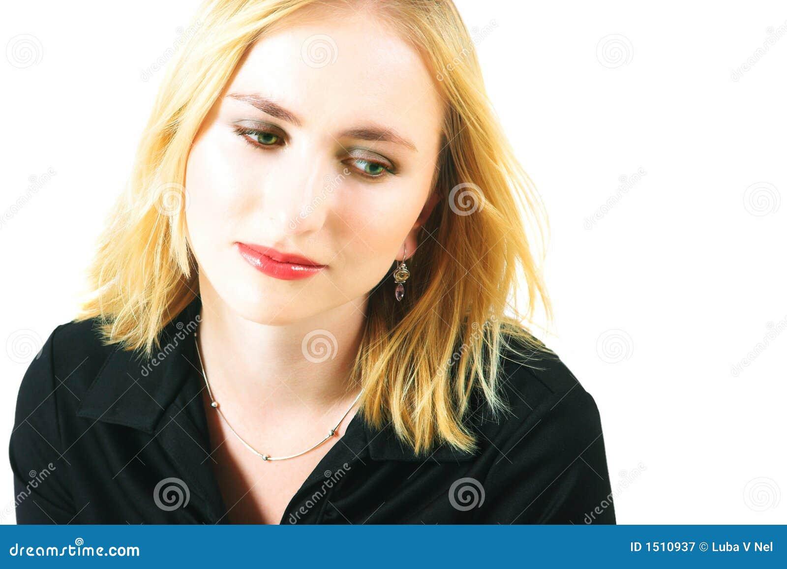 Droevige blonde vrouw