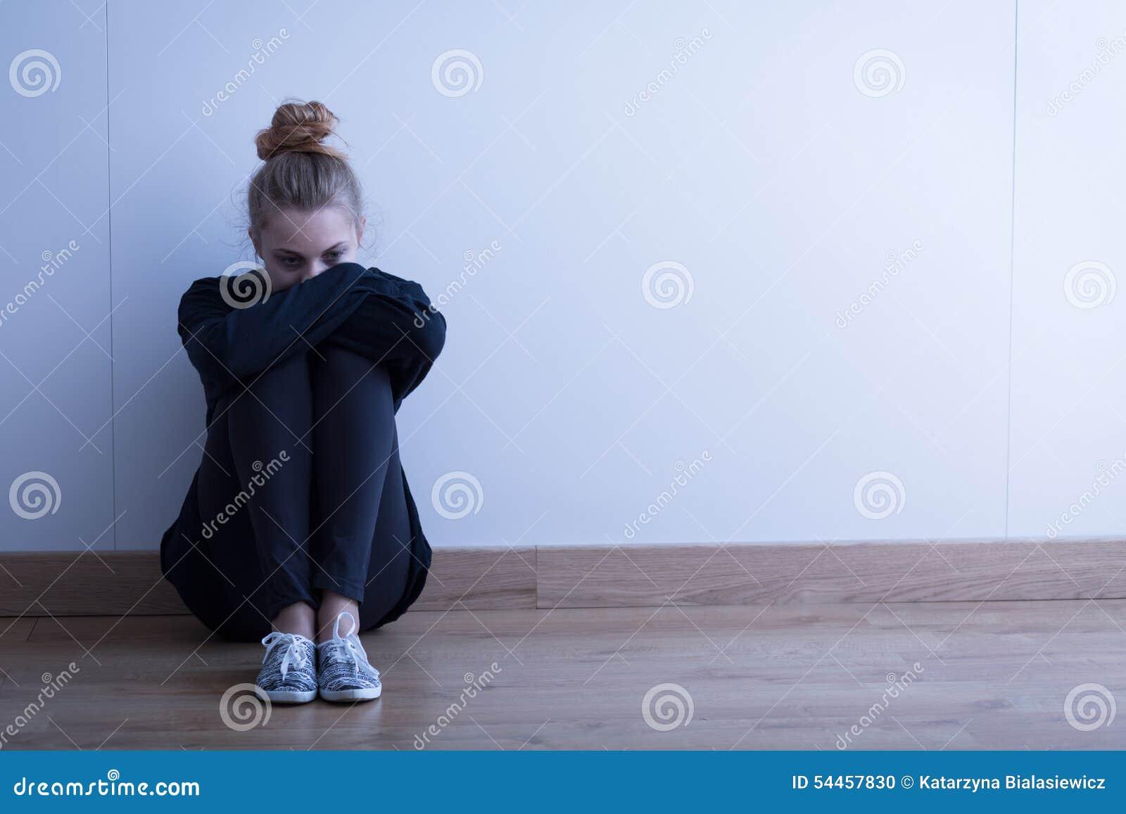 Droevige vrouw met depressie