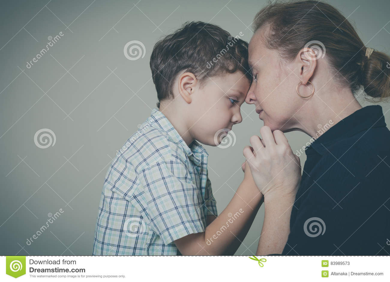 zoon dating zijn moeder